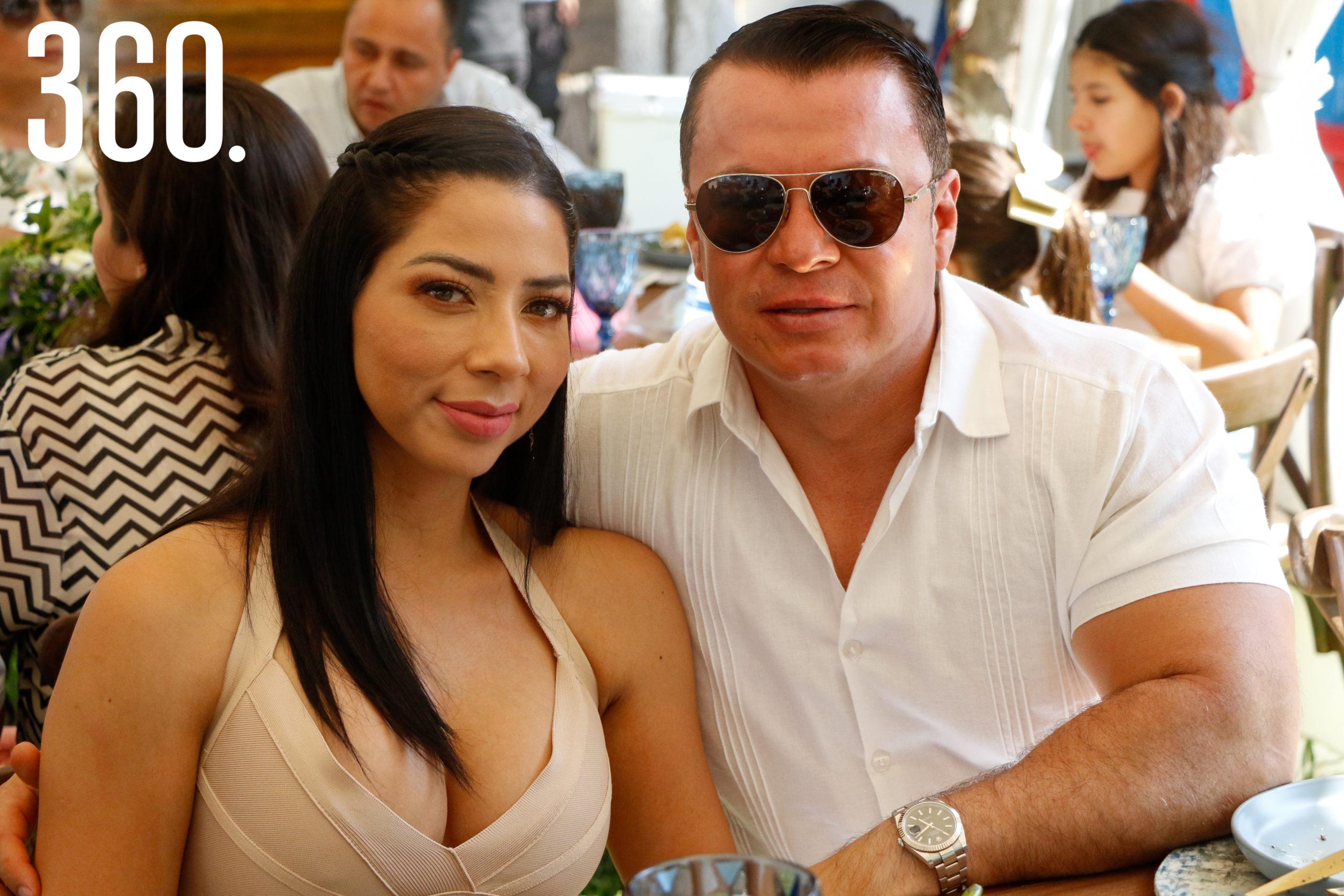 Blanca Esquivel y Logan Betancourt.