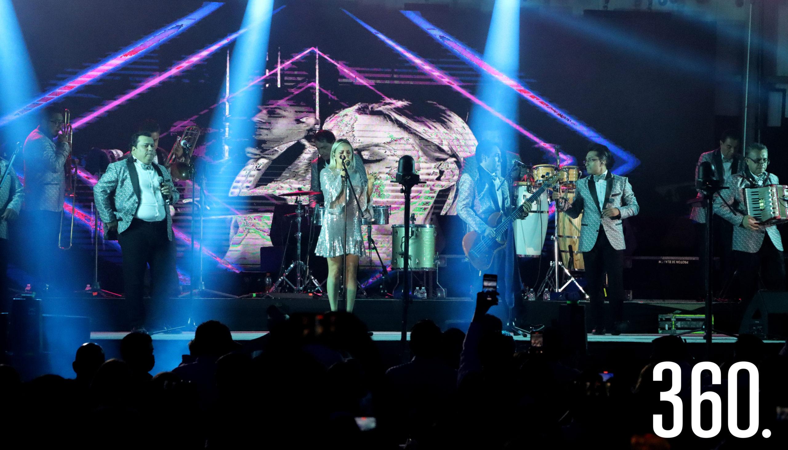 """Desde Ixtapalapa """"Los Ángeles Azules"""", presentaron su espectacular show en el viñedo Terra Serena."""