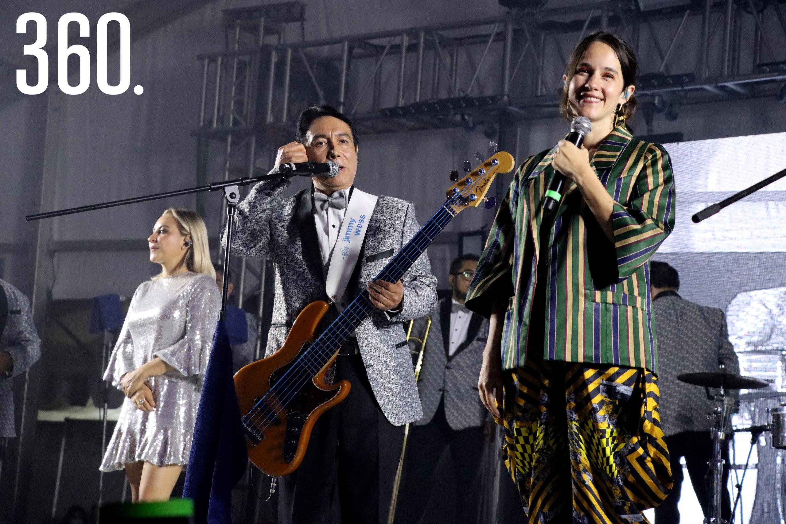 """Ximena Sariñana y los Ángeles Azules prendieron a los asistentes con el tema """"Mis Sentimientos""""."""
