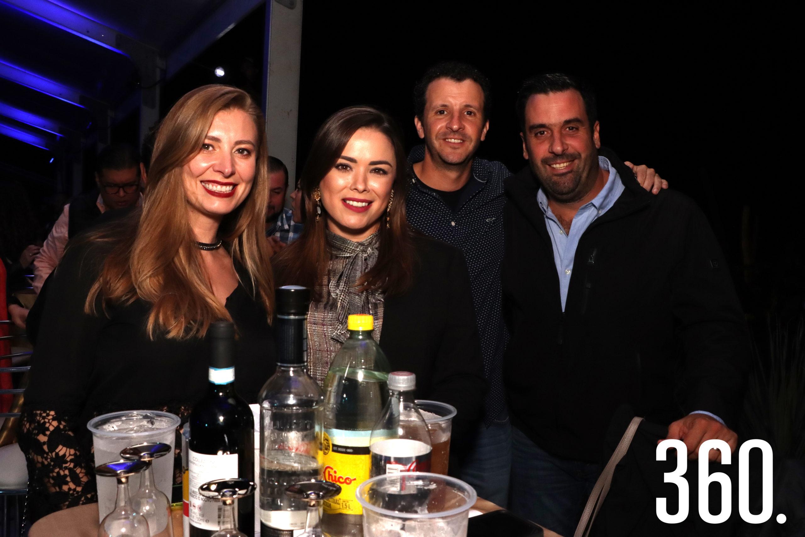 Marcela Dávila, Lesly Dewey, Guayo Garza y Román Cepeda.