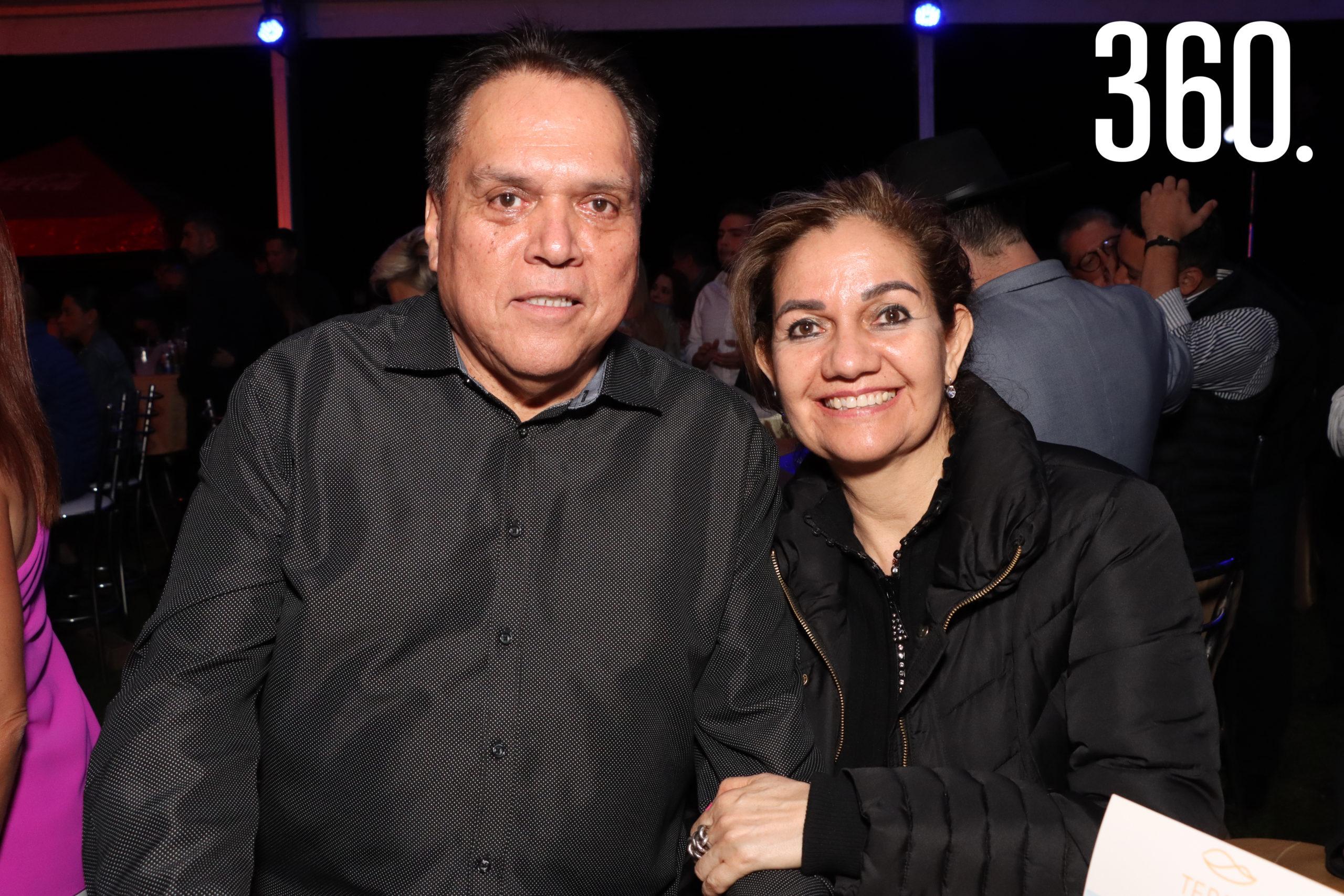 Gerardo y Rosy Márquez.