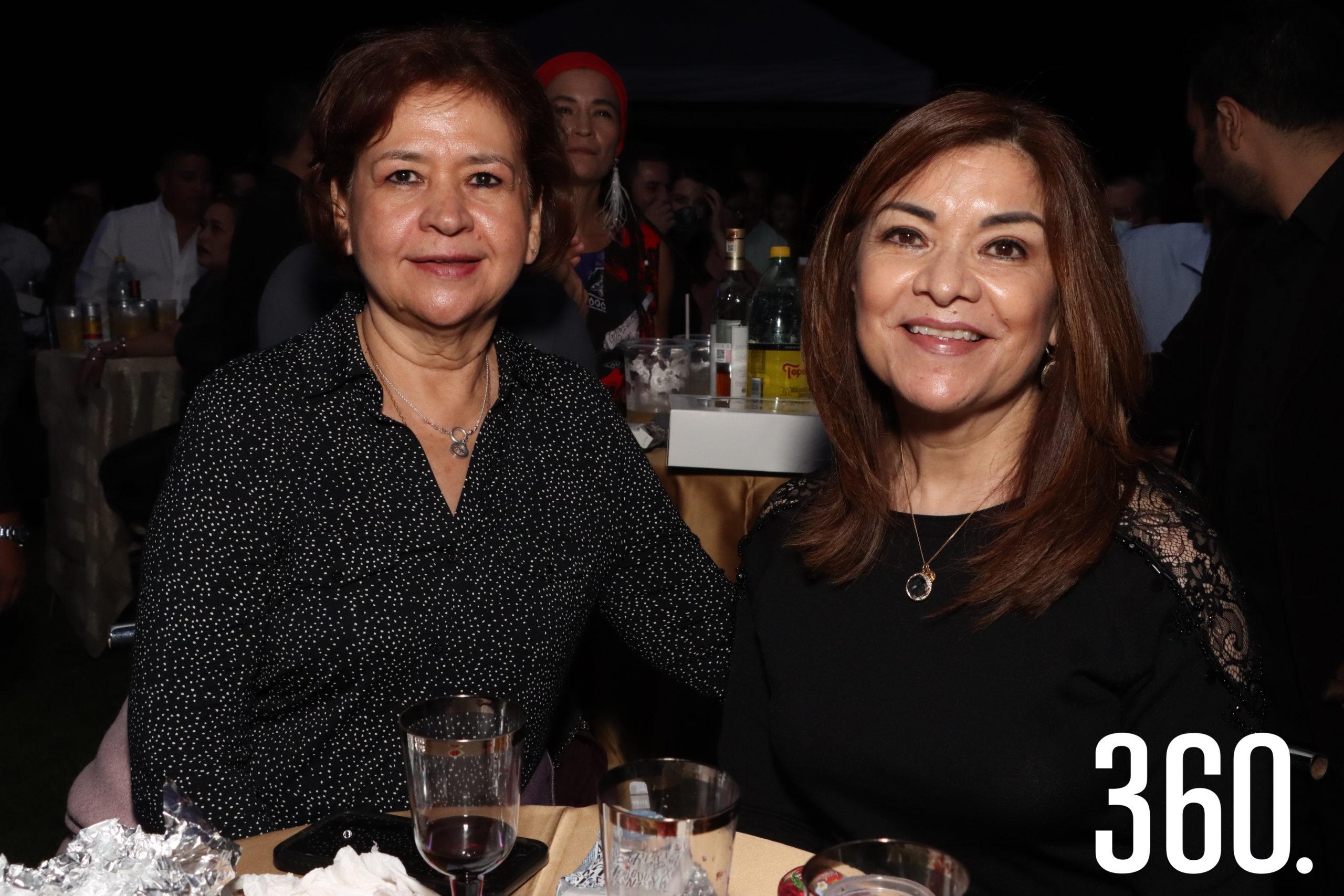 Chiquis Álvarez e Isabel Campos.