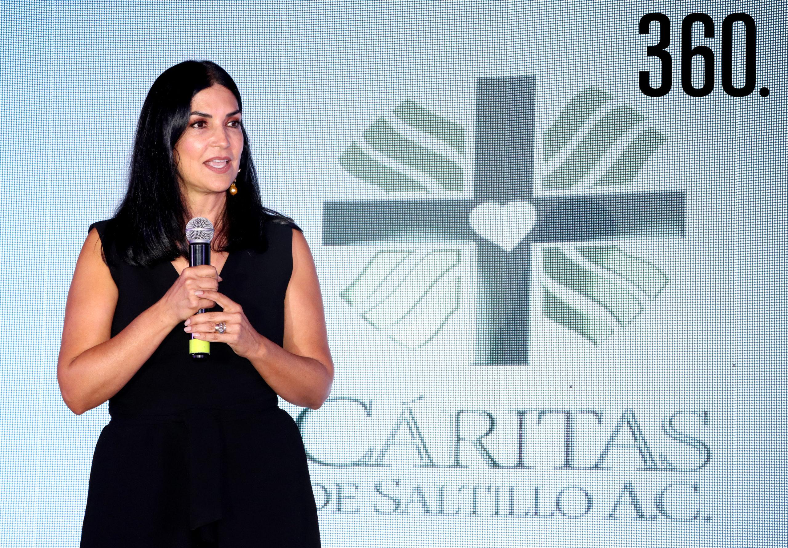 Nona González de Salinas, presidenta del consejo de Cáritas de Saltillo agradeció el apoyo a los asistentes.
