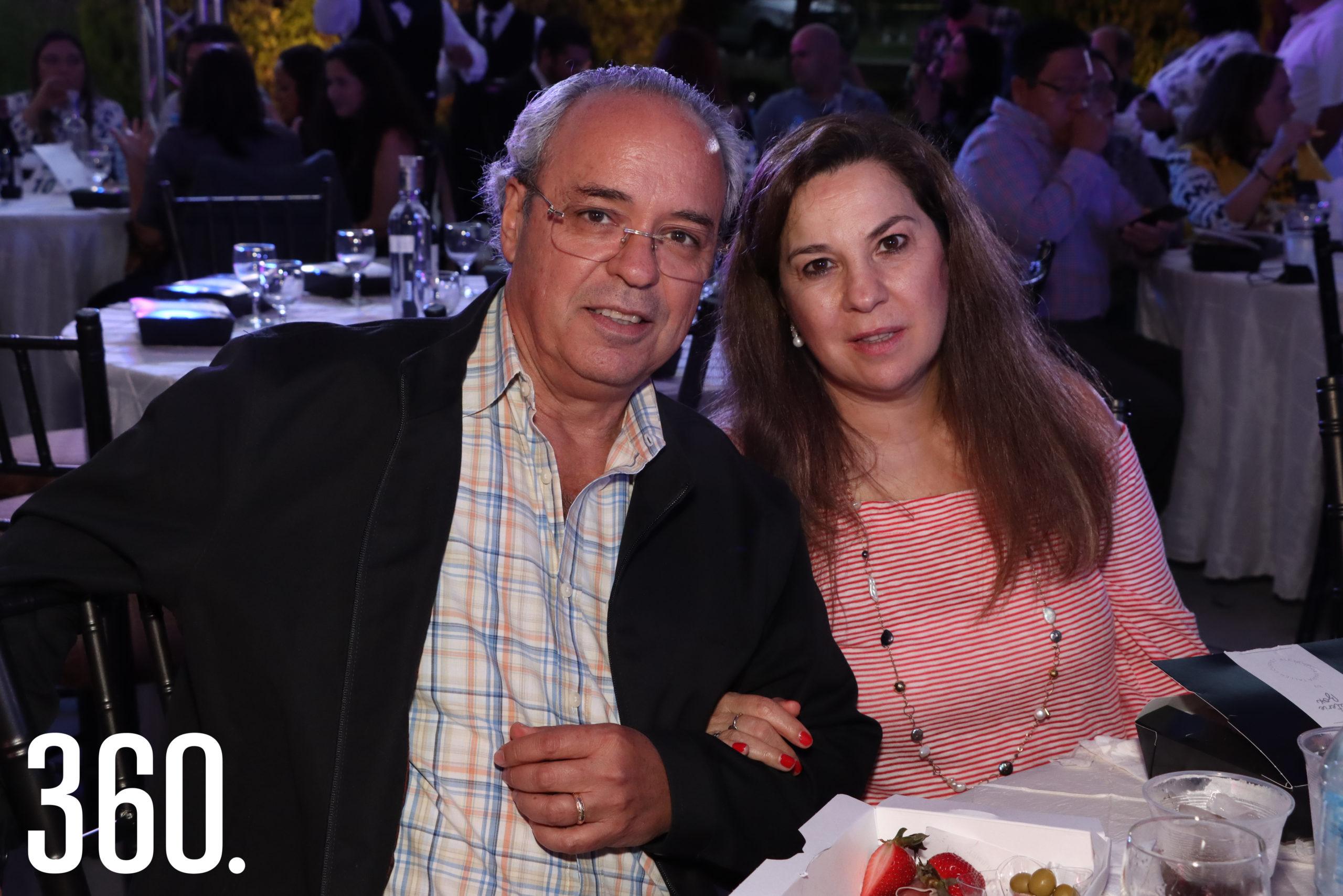 Fernando López y Marissa Montemayor.