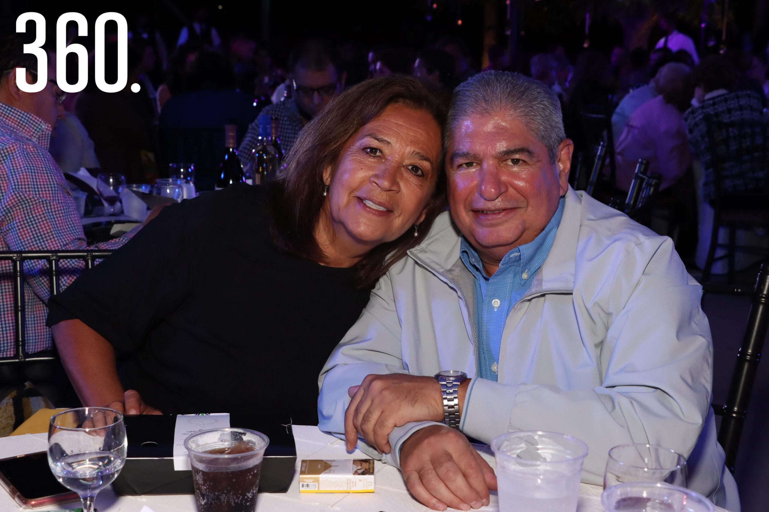 Mónica Ventura y Luis Gerardo Cabello.