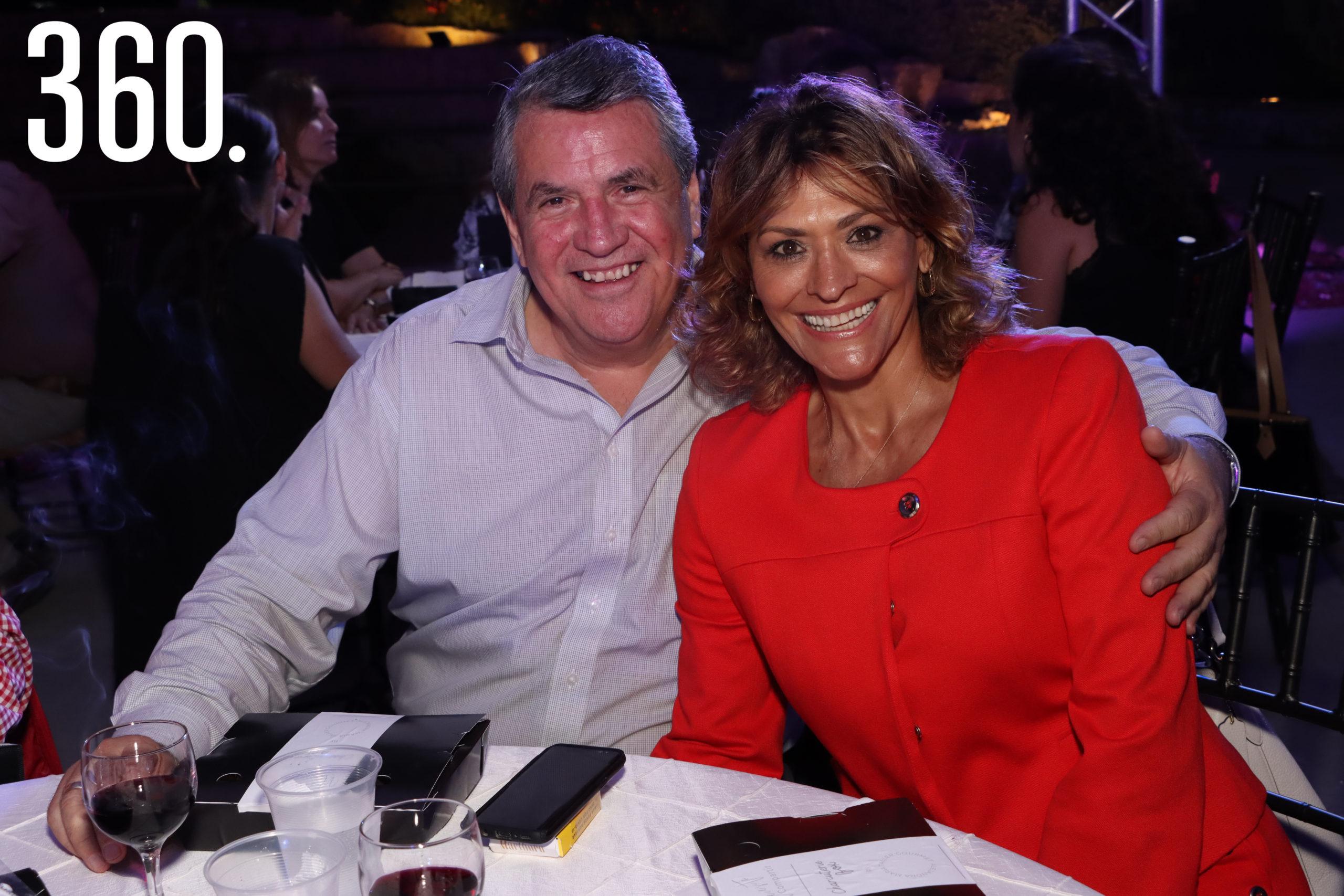 Armando Prado y Olivia Flores.