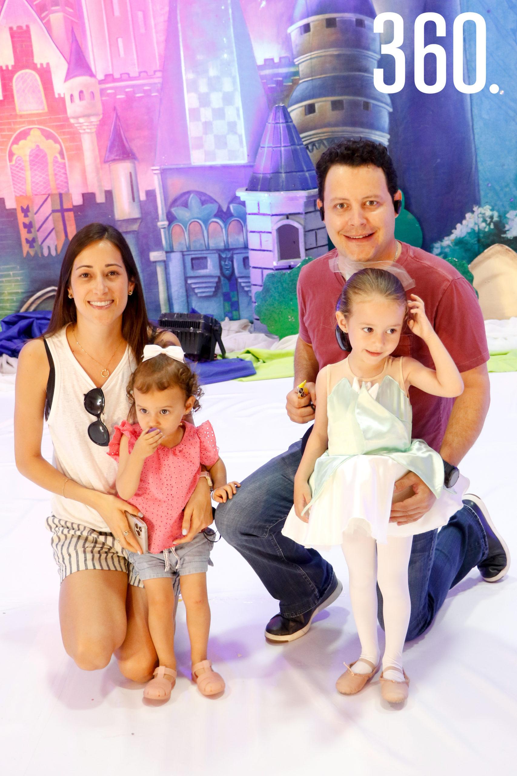 Paulina de la Garza, Julia Arizpe, Chuy Arizpe y Paulina Arizpe.