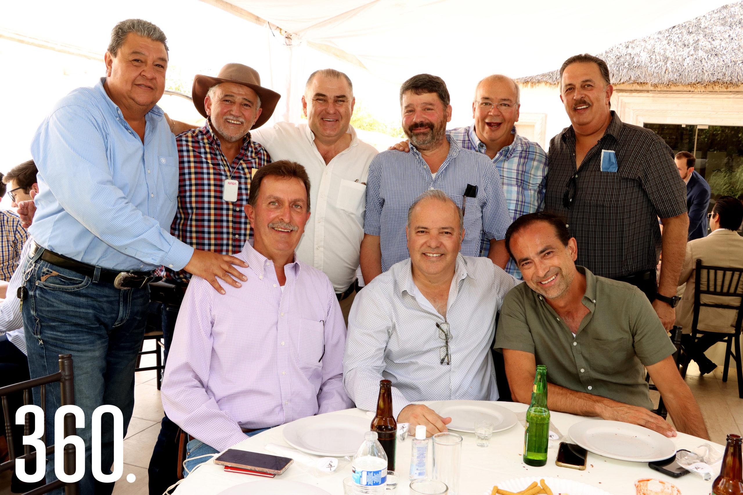Enrique Alatriste, José Humberto Dávila, José Luis Dávila, Carlos López, Gilberto Mendoza, Alejandro Mendoza, Alejandro Pepi y Eduardo Lara.