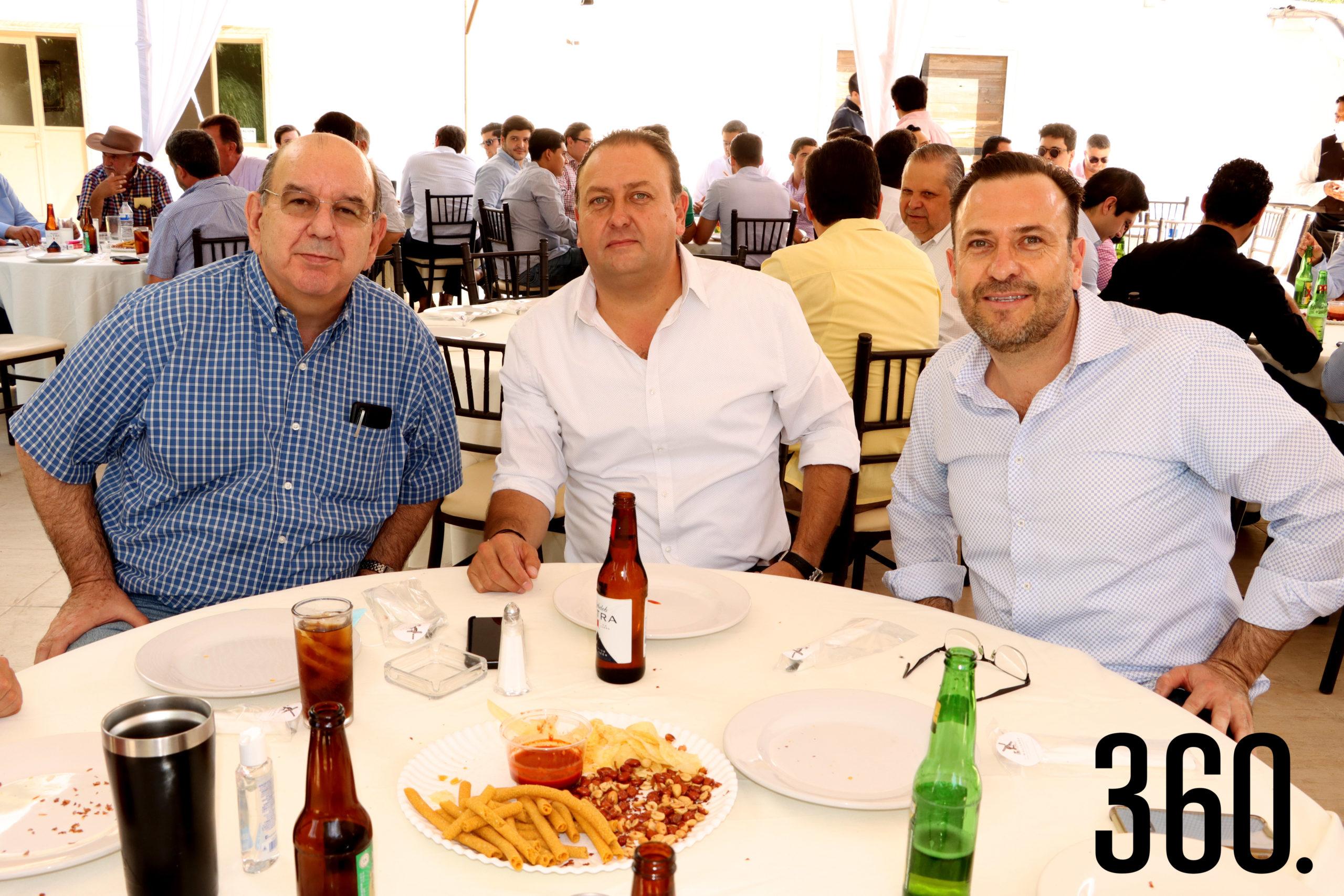 Arturo de la Garza, Mario y Víctor Dávila.