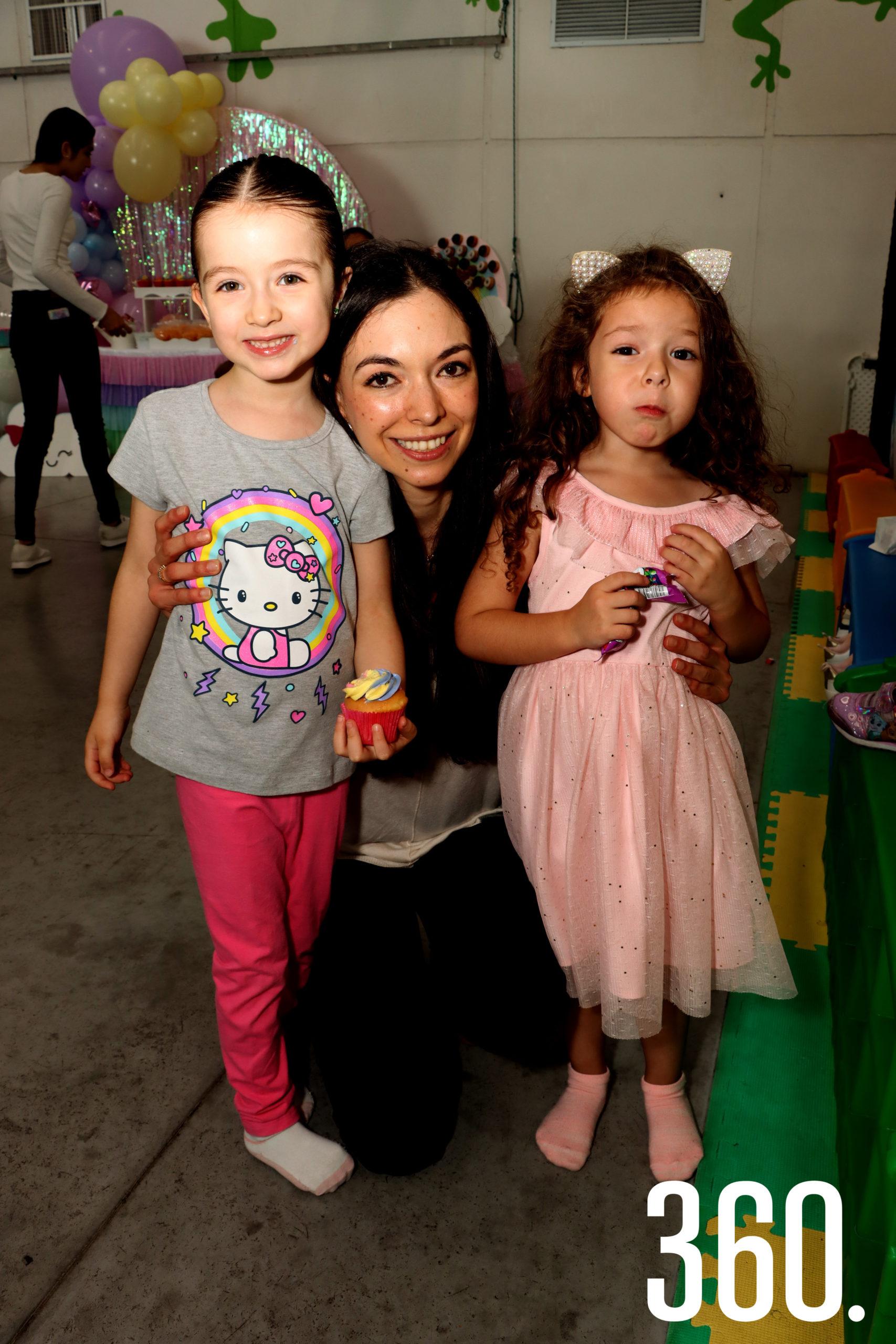 Constanza Galán, Dalila García y Romy Valdés.
