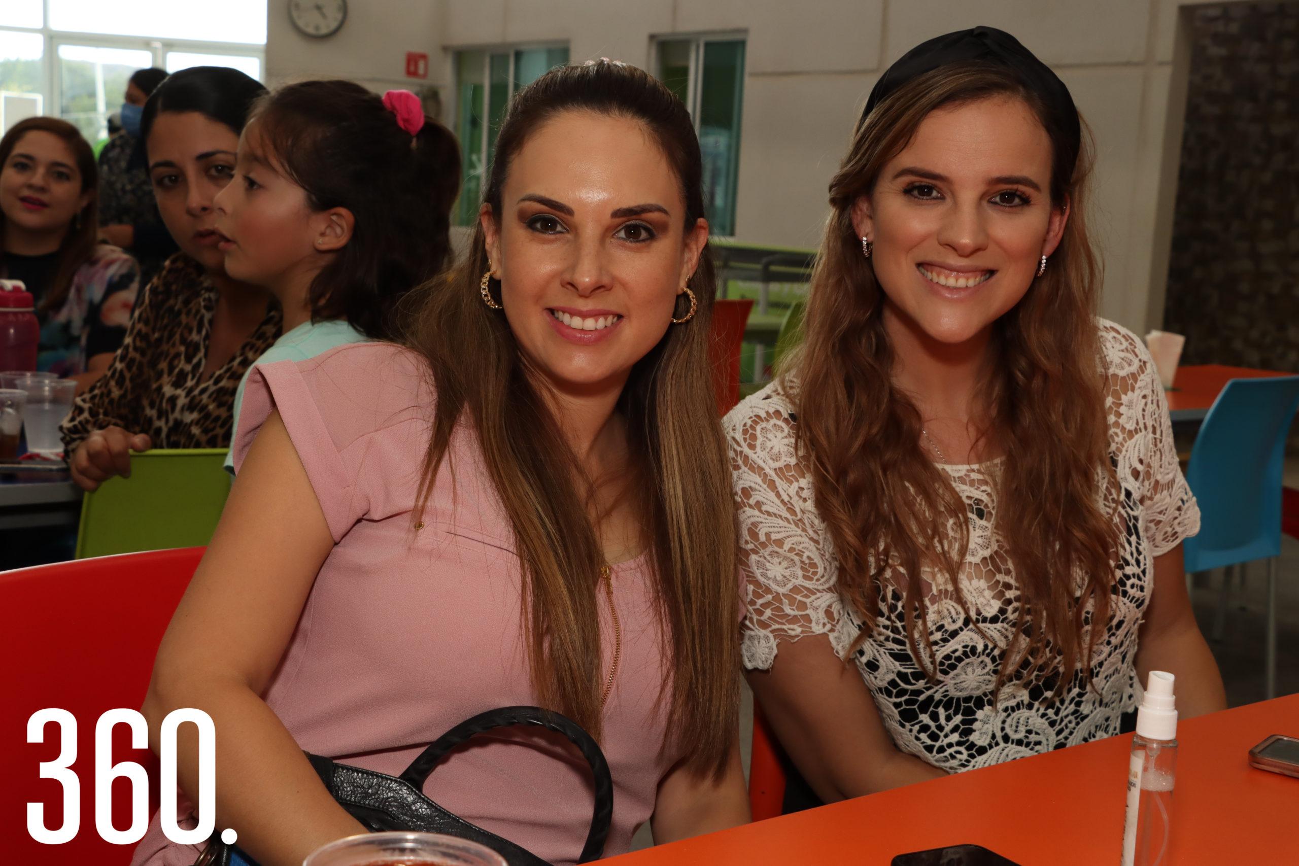 Abril Morales y Ana de la Garza.