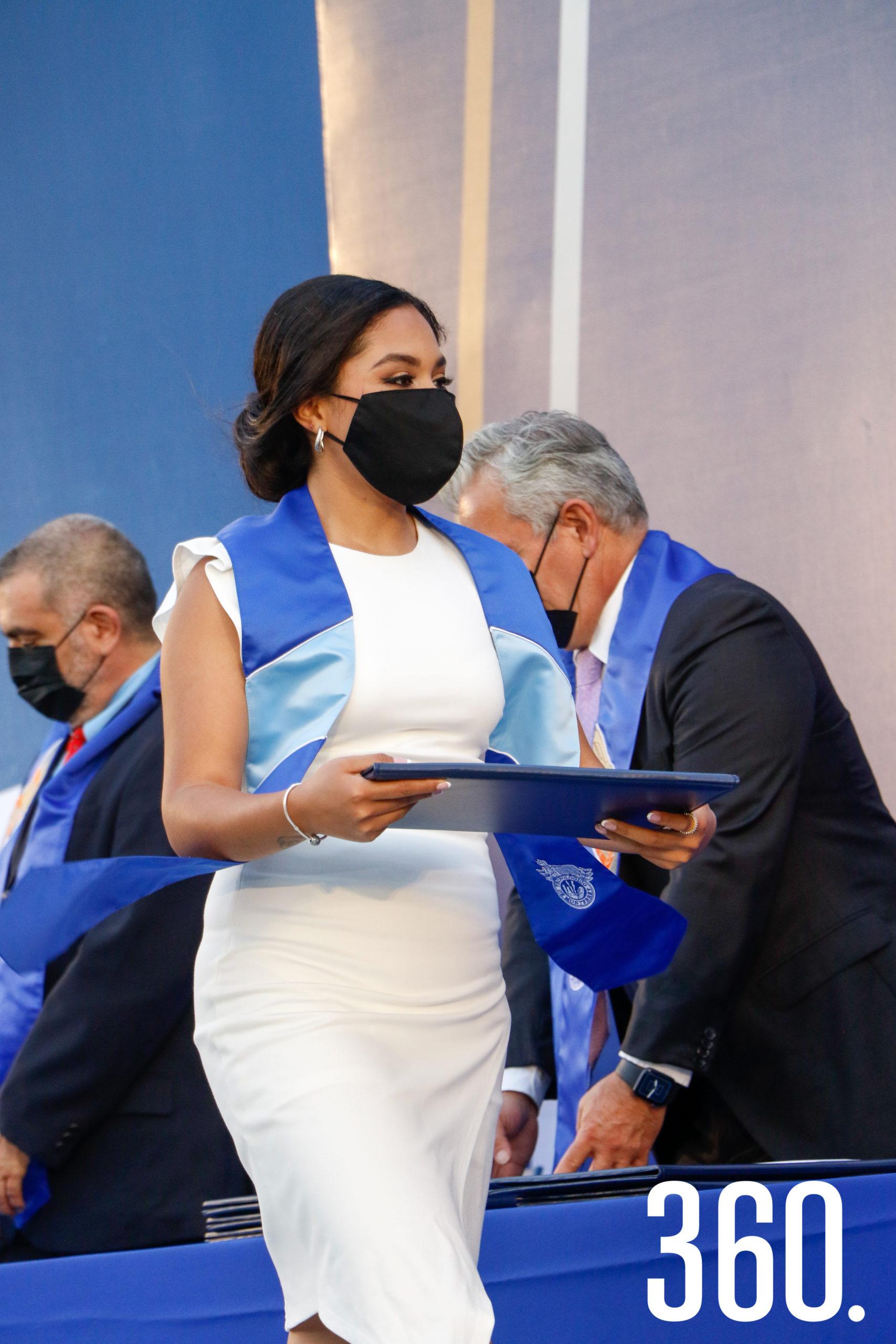Laura Mariana Flores.