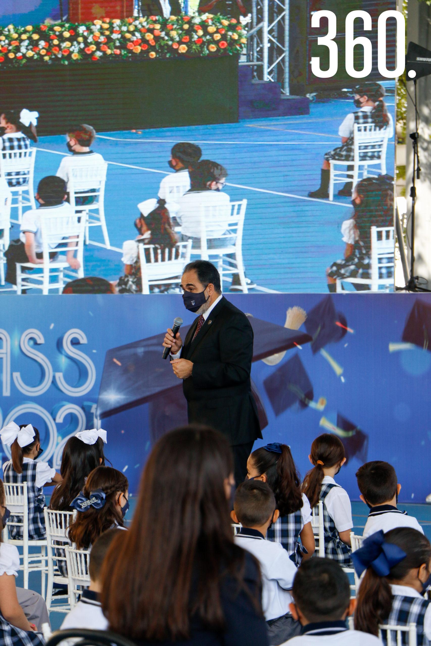 Jorge Alanís, director del Colegio Americano.