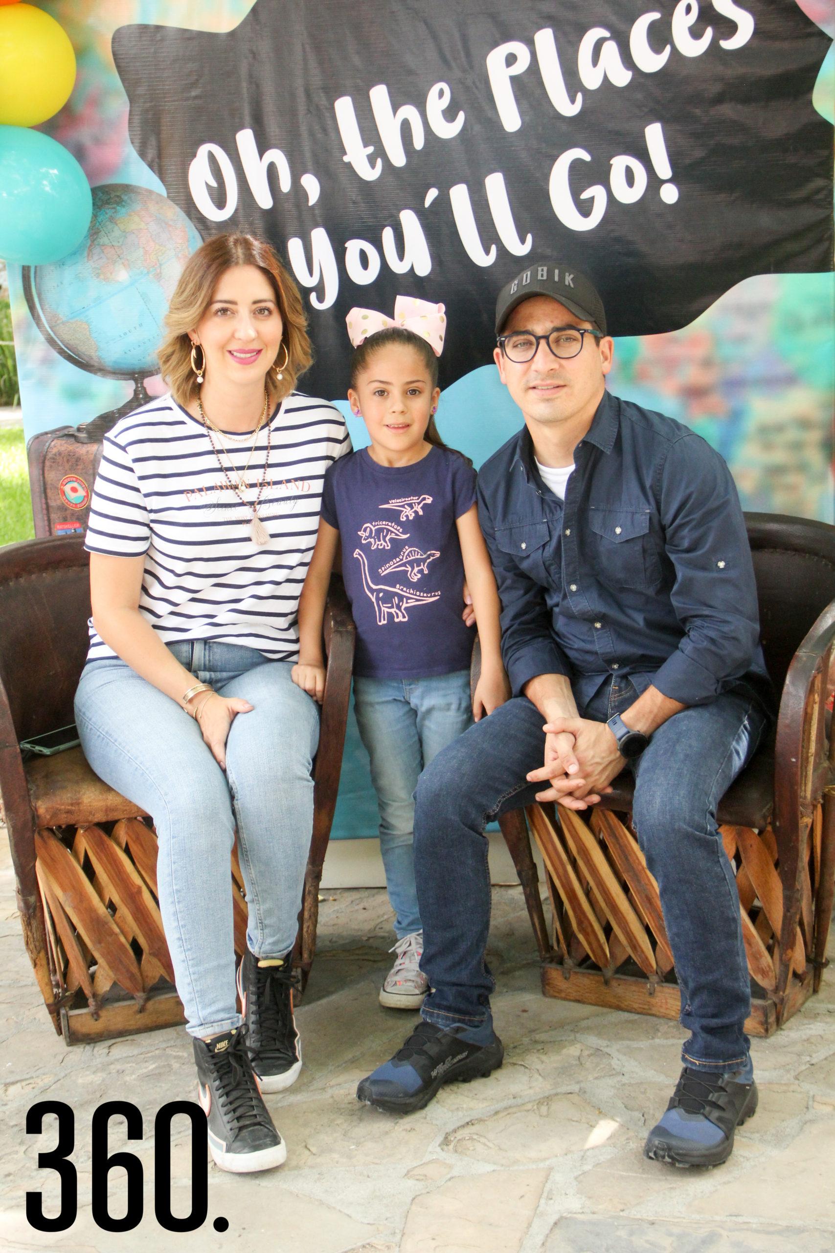 Yussel Lozano, Amelia Saro y José Saro.