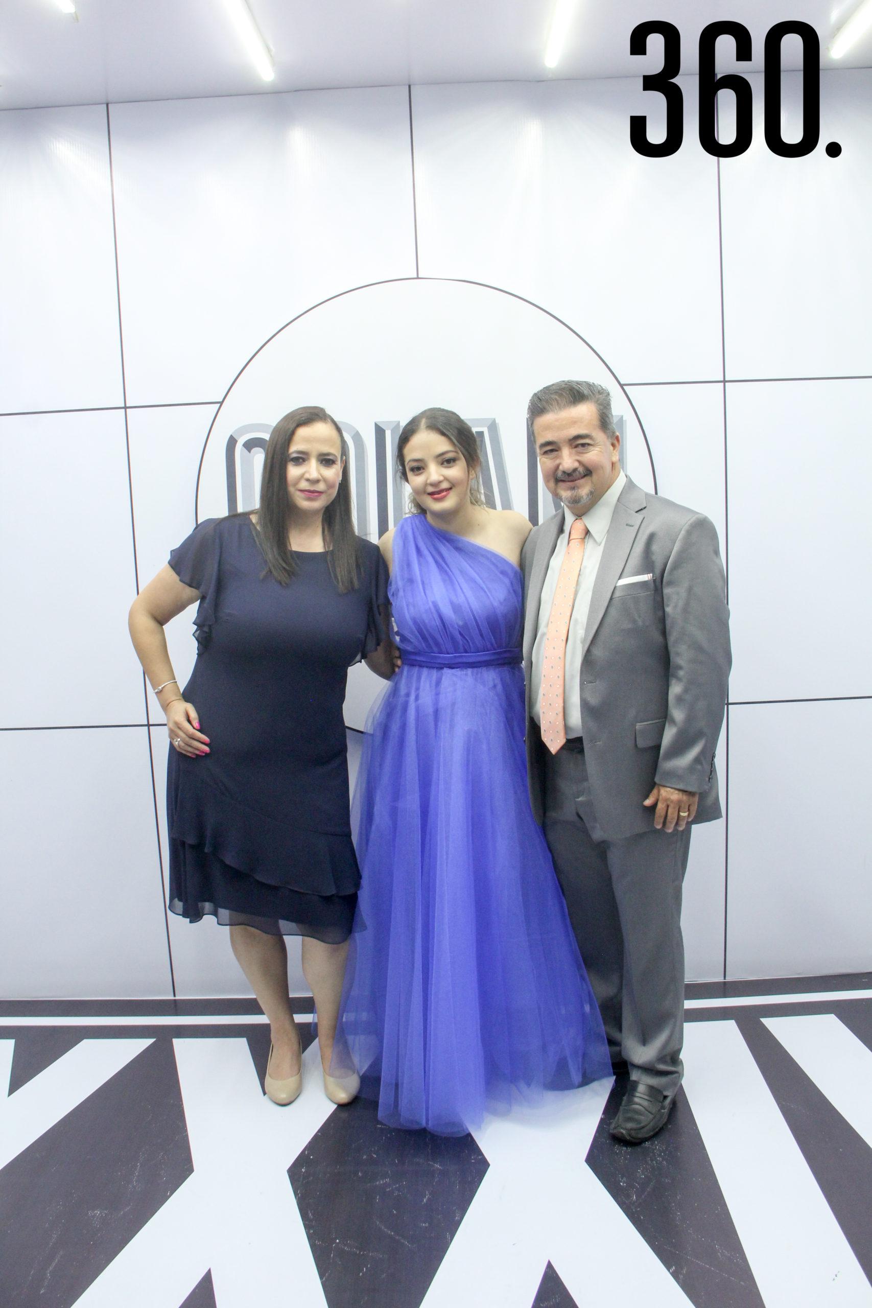Paty Gómez, Ana Paula González y Marco González.