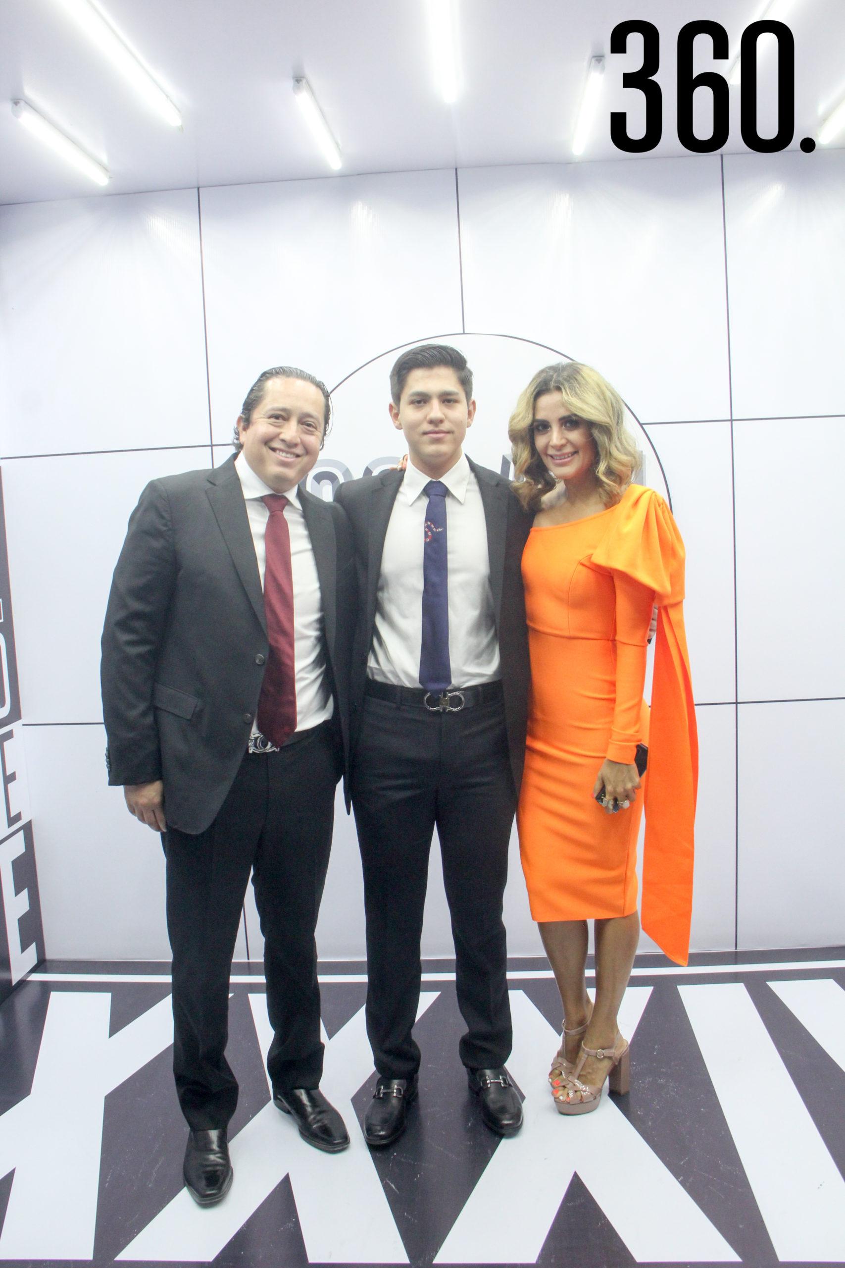 Luis Cárdenas, Emilio Bichara y Gaby Sánchez.