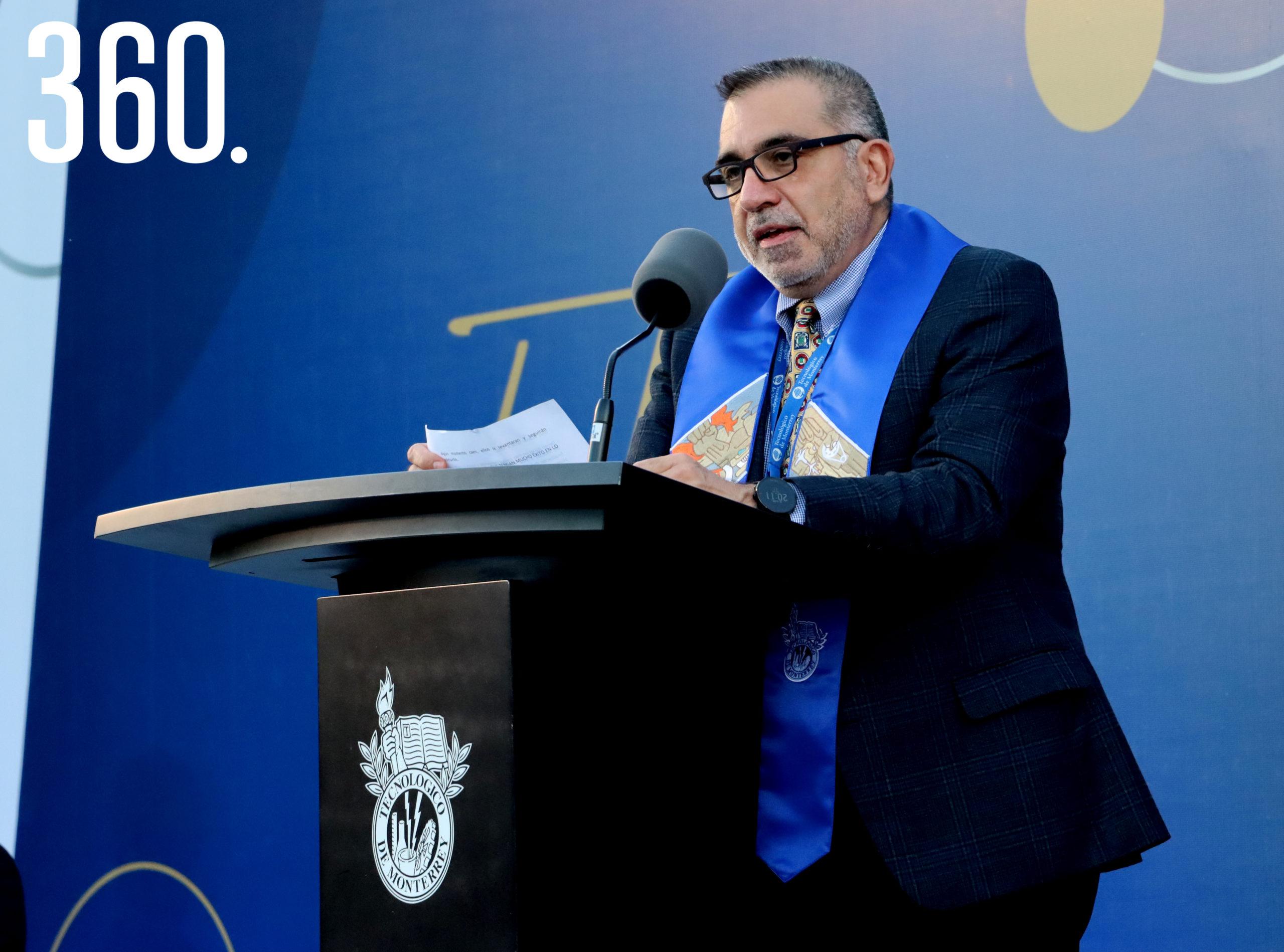 Gilberto Tomás Armienta Trejo director general del Campus Saltillo.