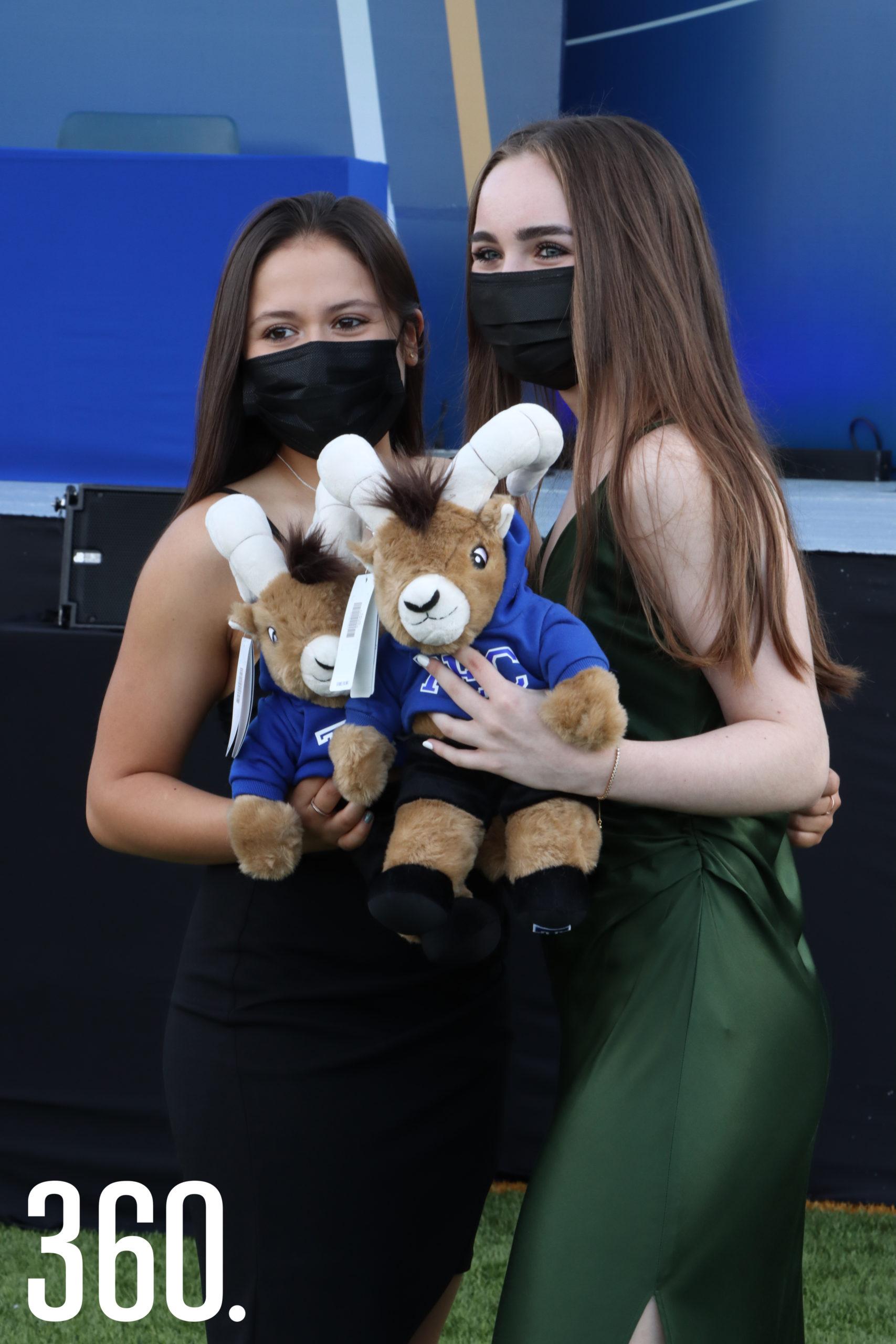 Valeria Alvarado y Sofía Garibay.