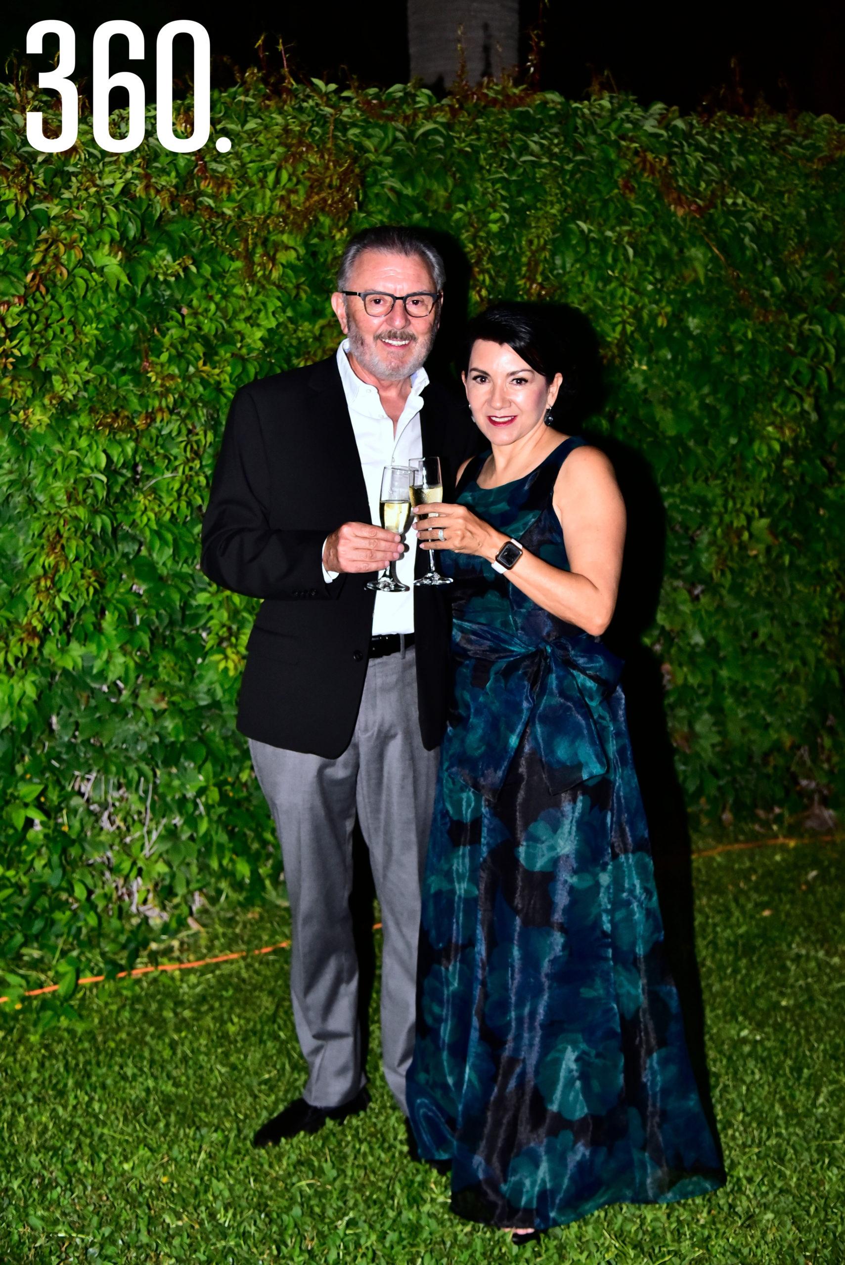 Gerardo Camacho y Mirna Cardoza.