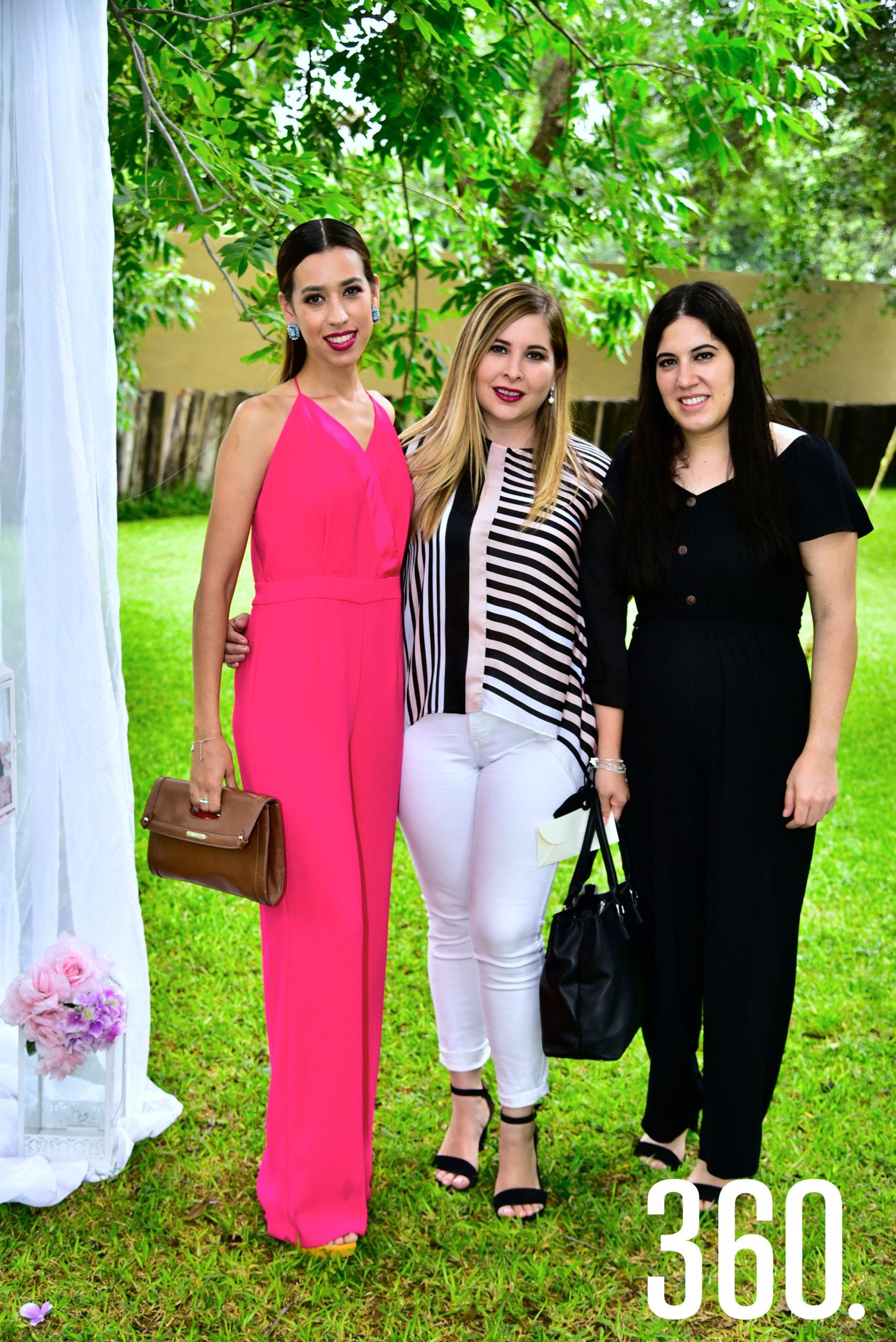 Mayis Valdés, Jessica Elguezabal y Silvia Jiménez.