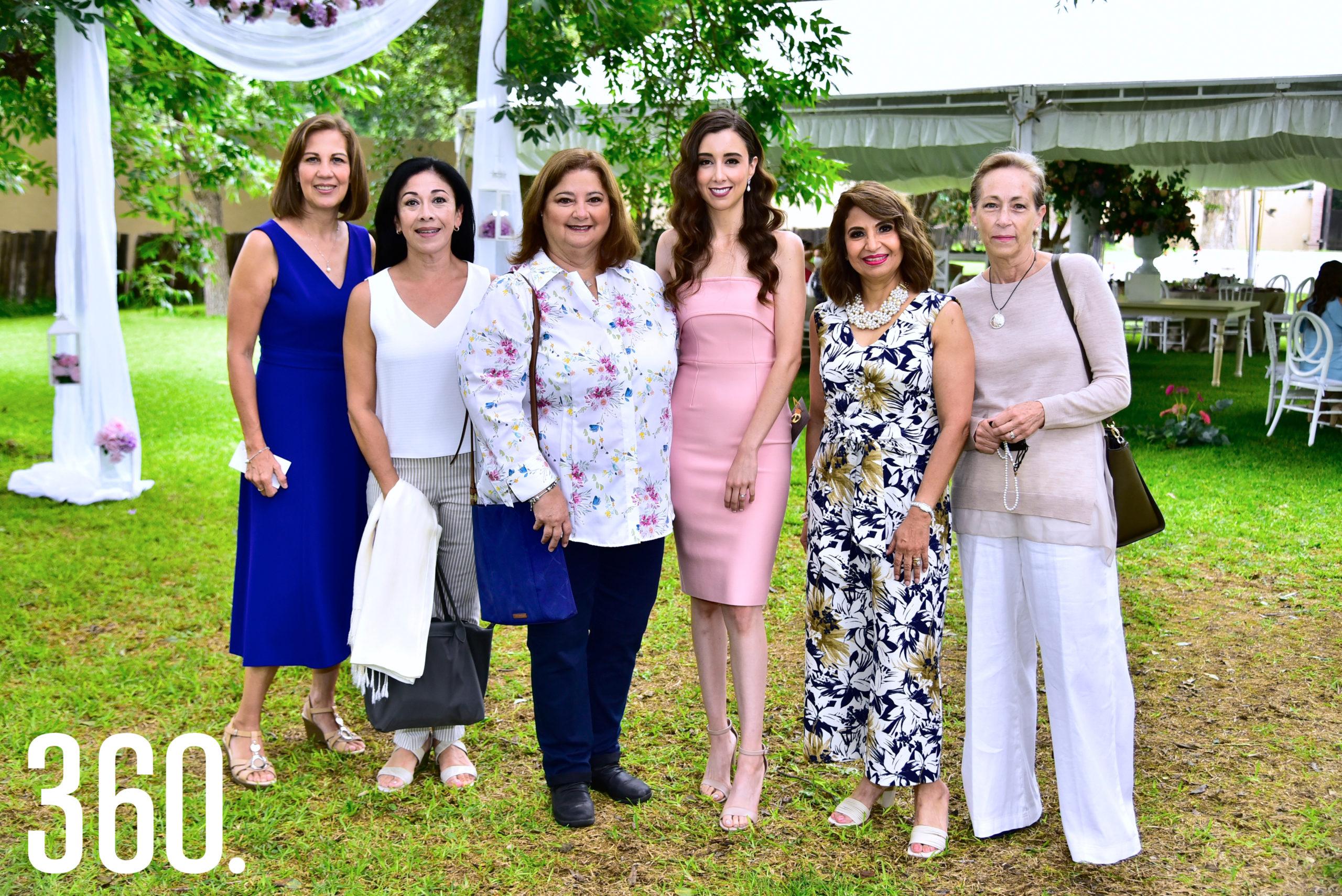 Magdalena Arsuaga, Virginia Reyes, Viviana Sada, Sofía Elguezabal, Martha Mireya Munguía y Celina Latapi.