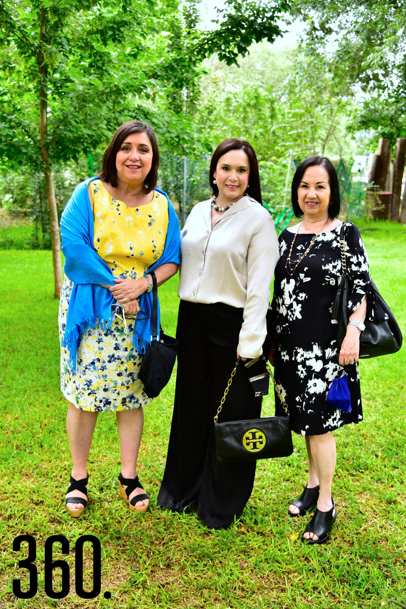 Toñeta Villarreal, Magda Dávila y Lourdes Villalón.