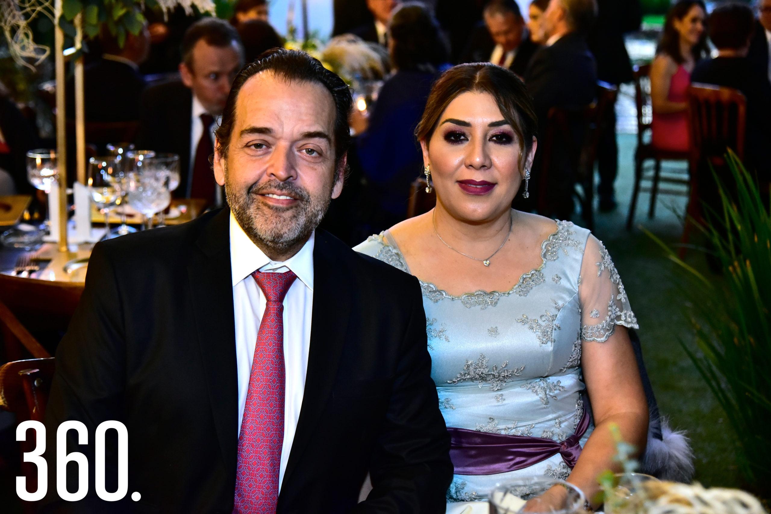 Rogelio López y Sofía Anaya de López.