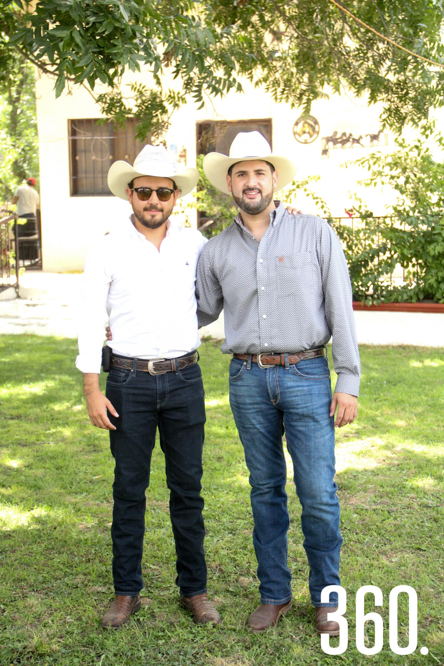 Eduardo Dávila y Carlos Dávila.