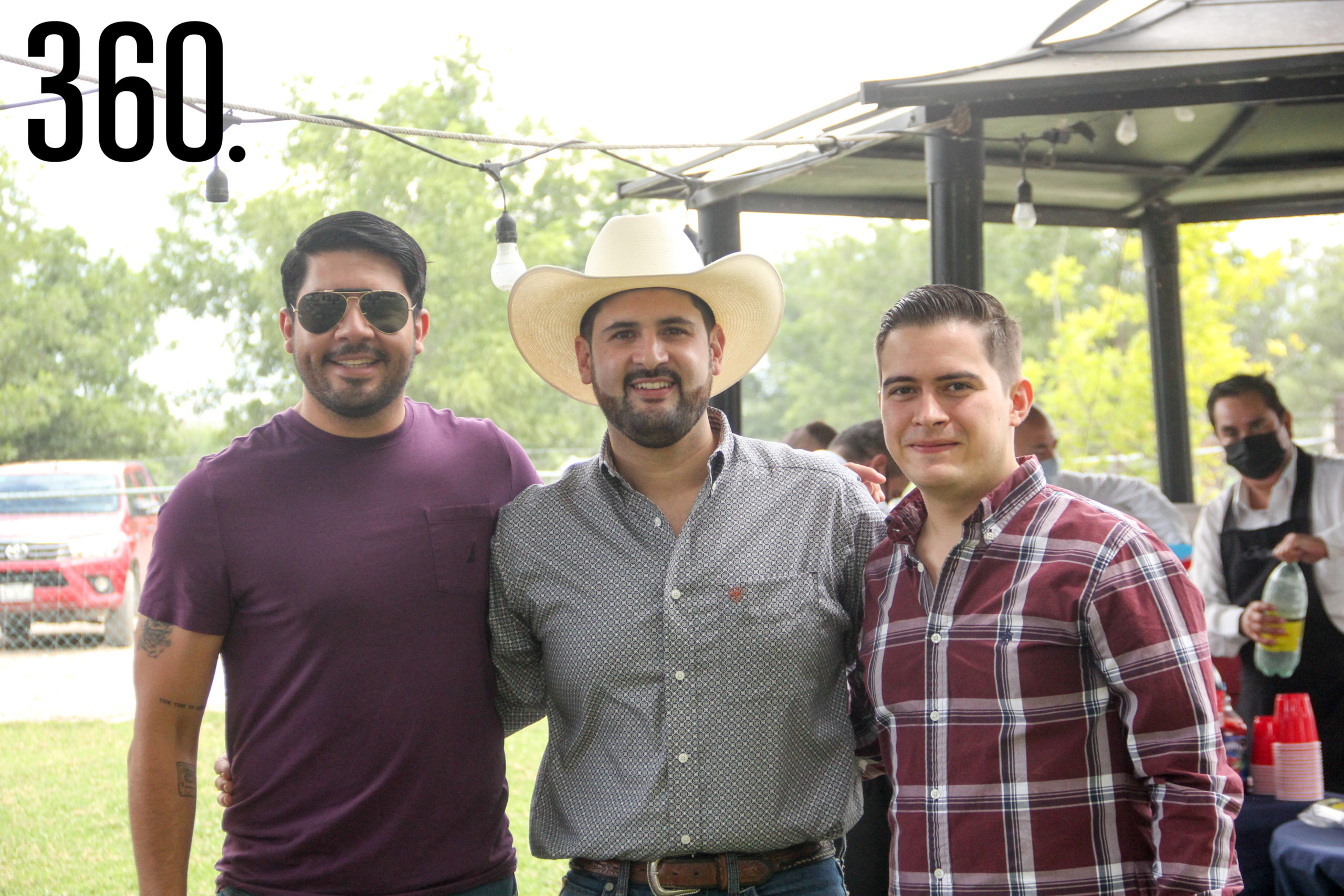 Carlos Tapia, Carlos Dávila y José Juan Valdés.