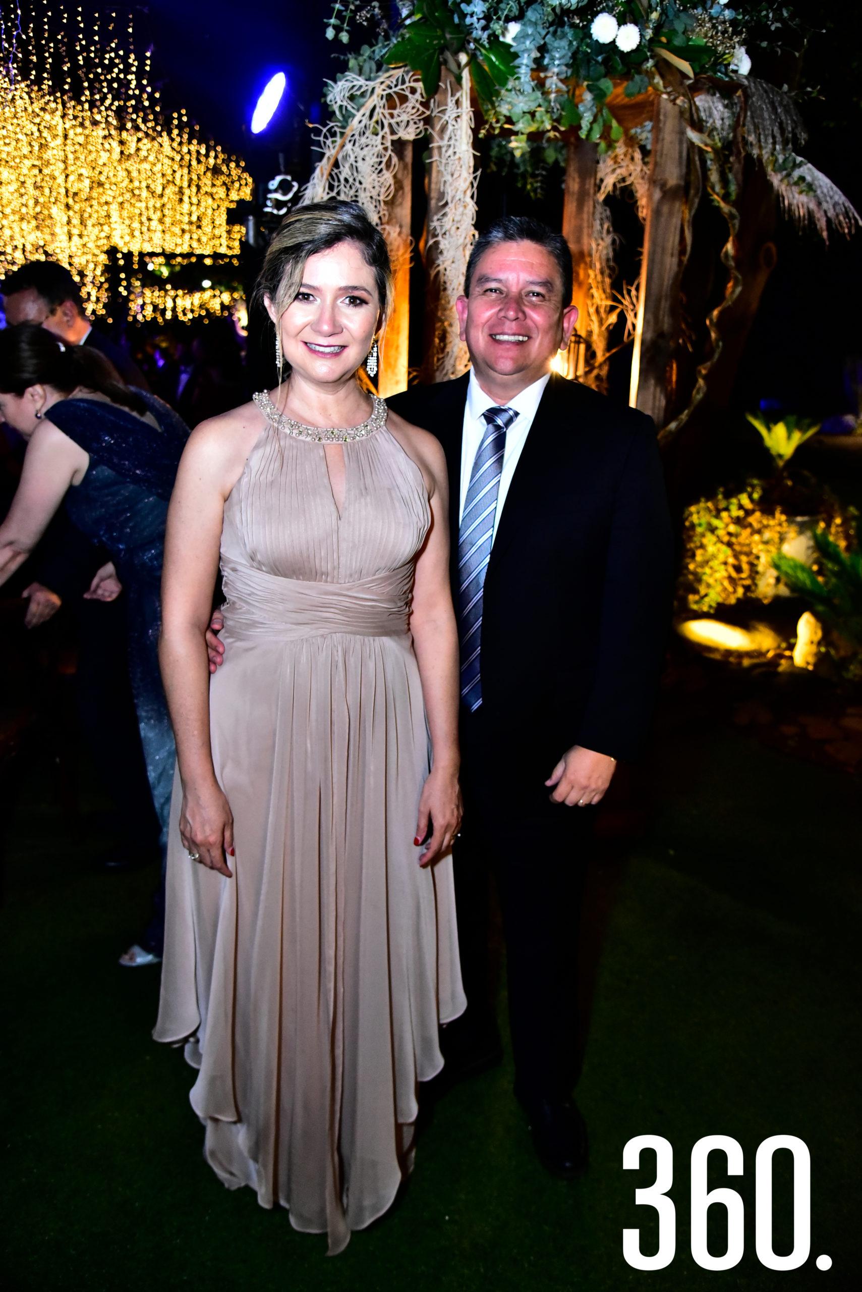 Ana María González y César Fuentes.