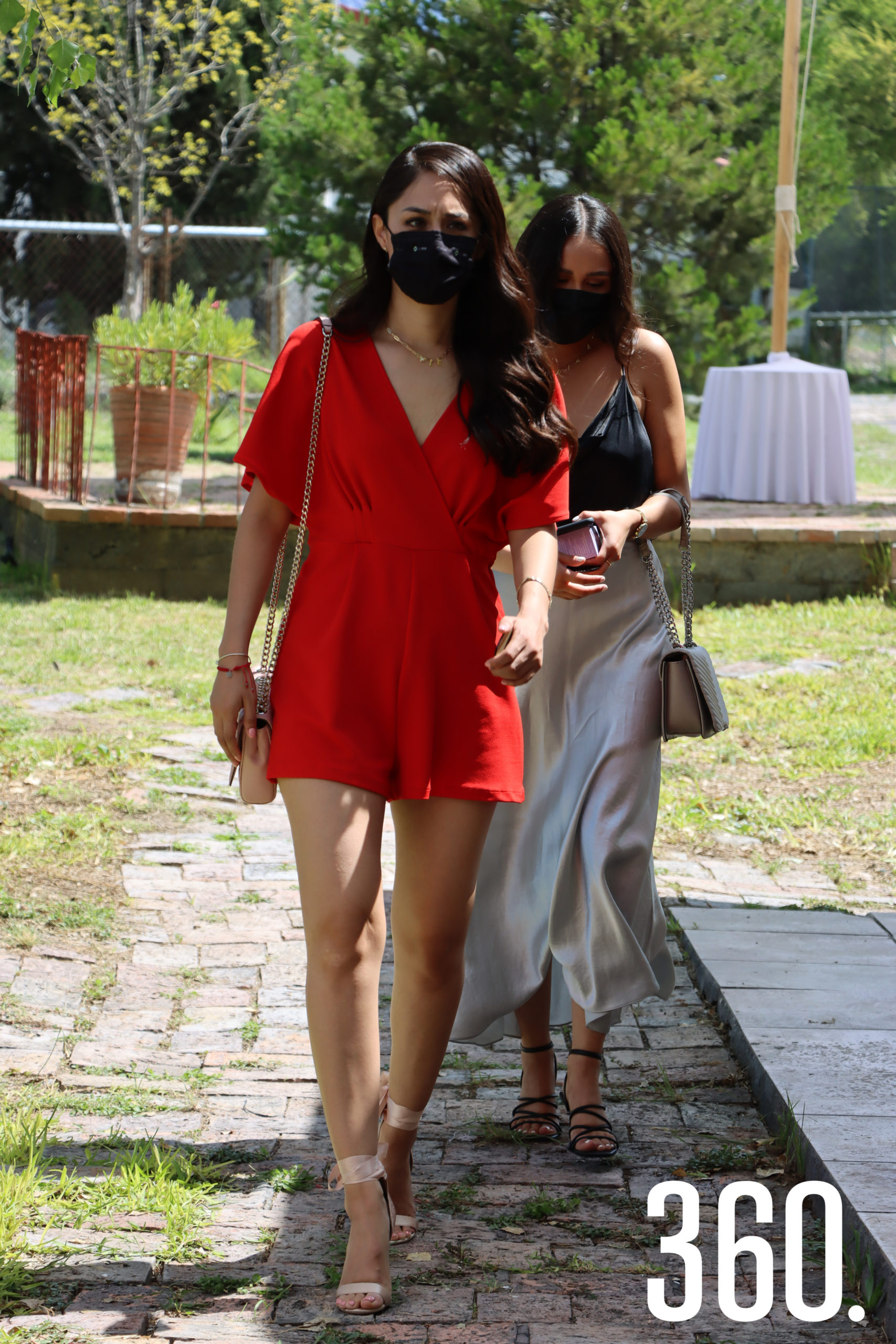 Ale Reyna y Clarissa Coronado.