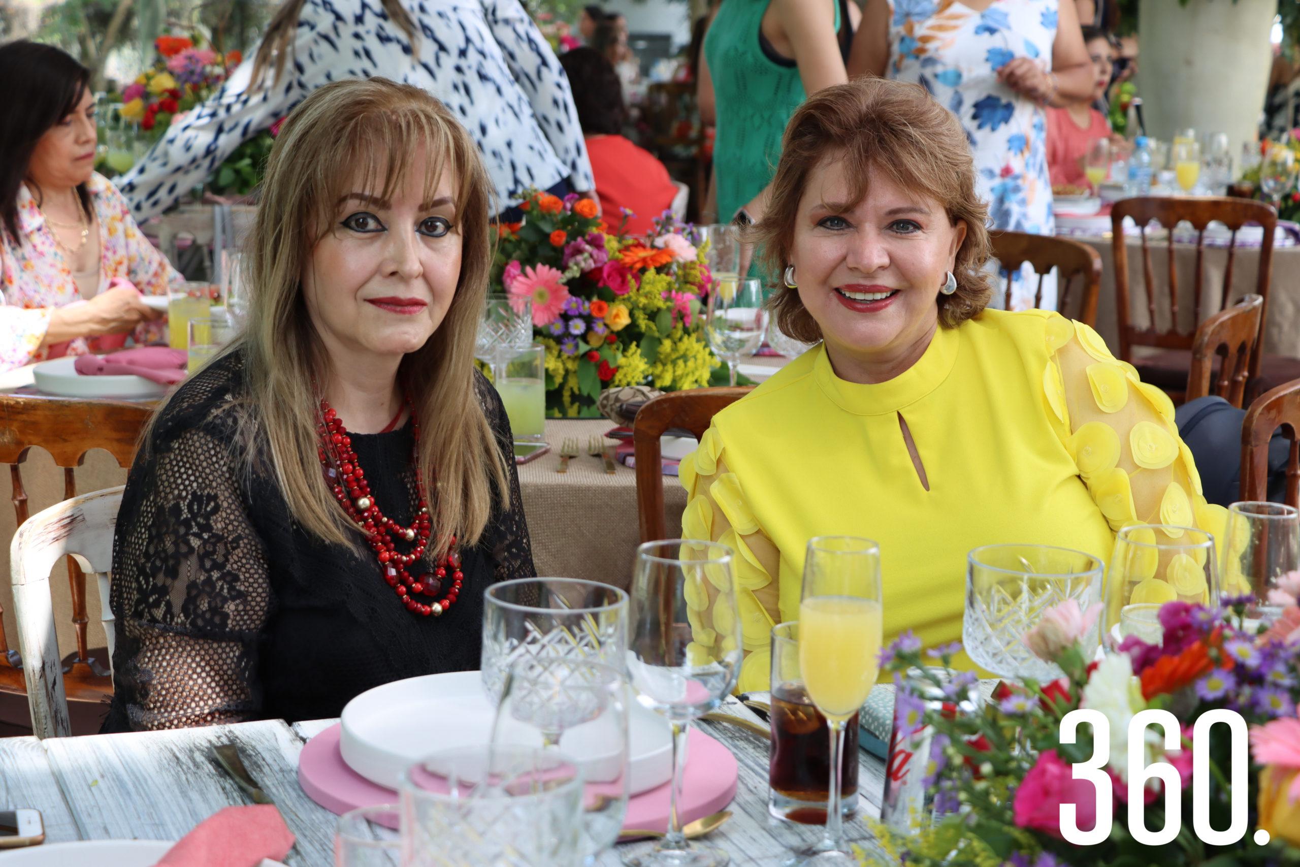 Grethel Barba y Delia Martha Villarreal.