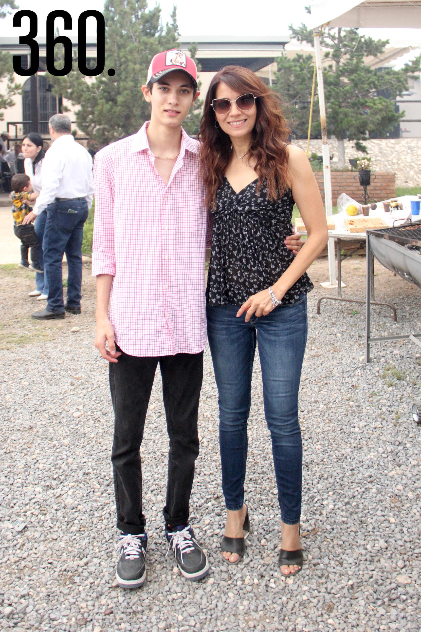Enrique Flores y Karla García.