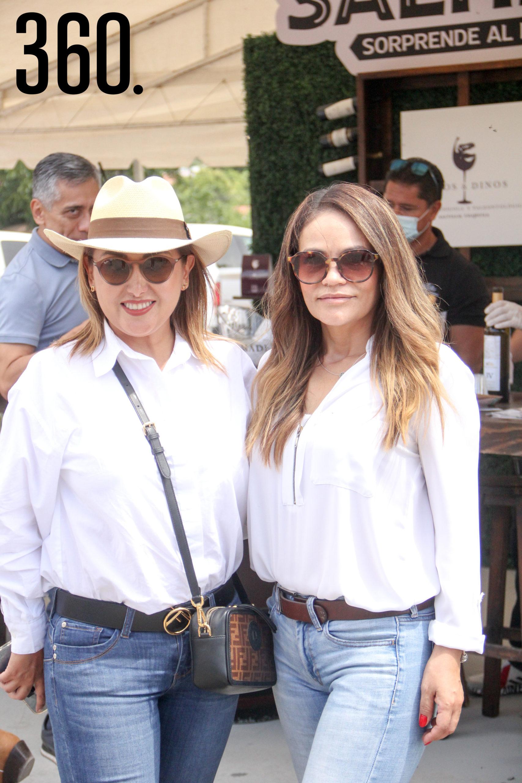 Gloria Ramos y Carmen Lara.