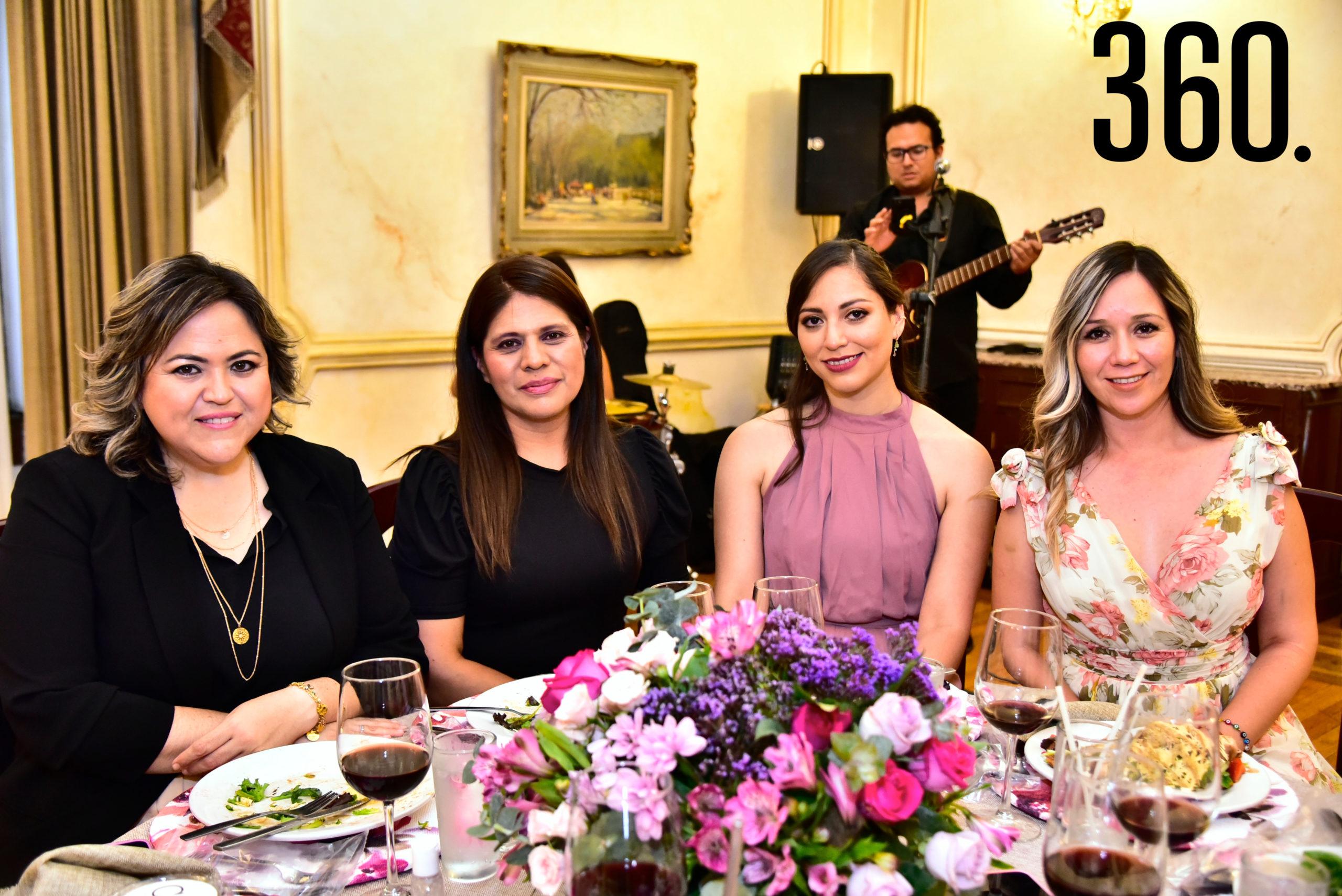 Cynthia Villarreal, Aleida López, Lourdes Torralba y Alejandra Agüero.