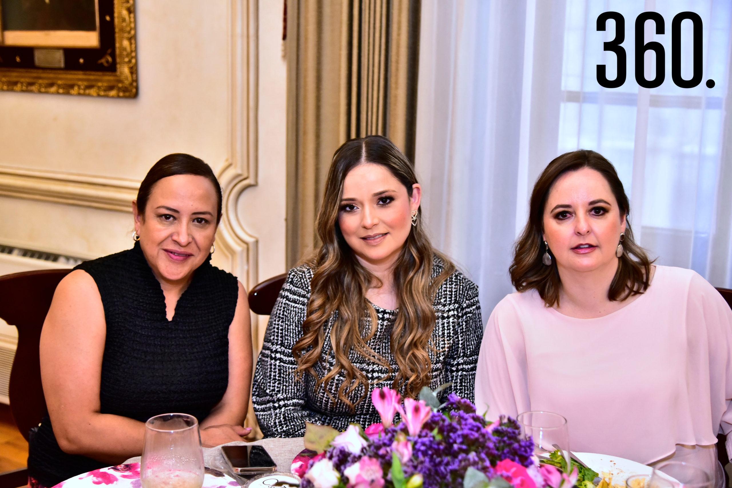 Lula Sánchez, Ana Lucia Cavazos y Miriam Fuentes.