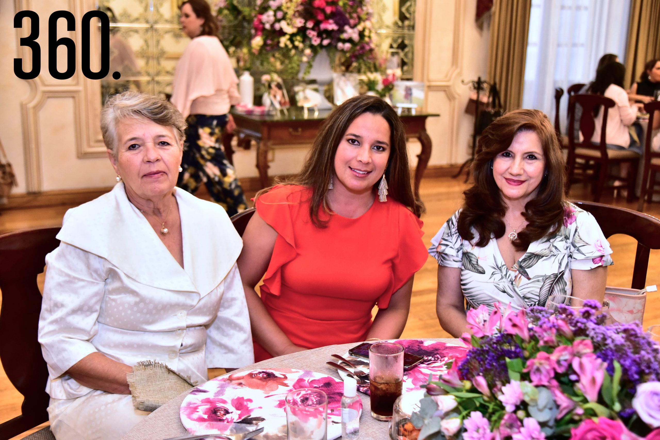 Verónica de la Garza, Verónica Rosales y Dalia Rodríguez.