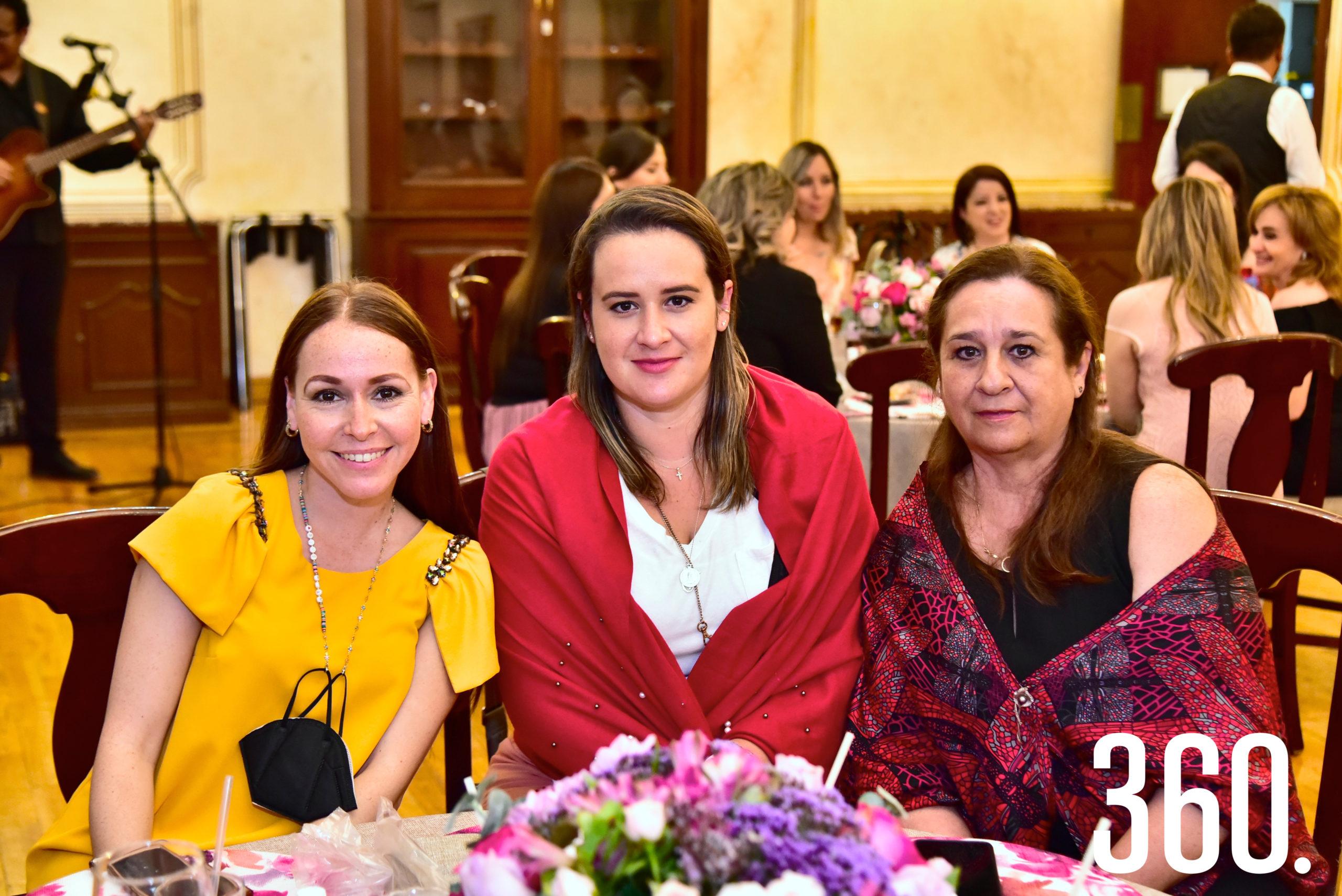 Liz Treviño, Beatriz Fraustro y Beatriz Dávila.