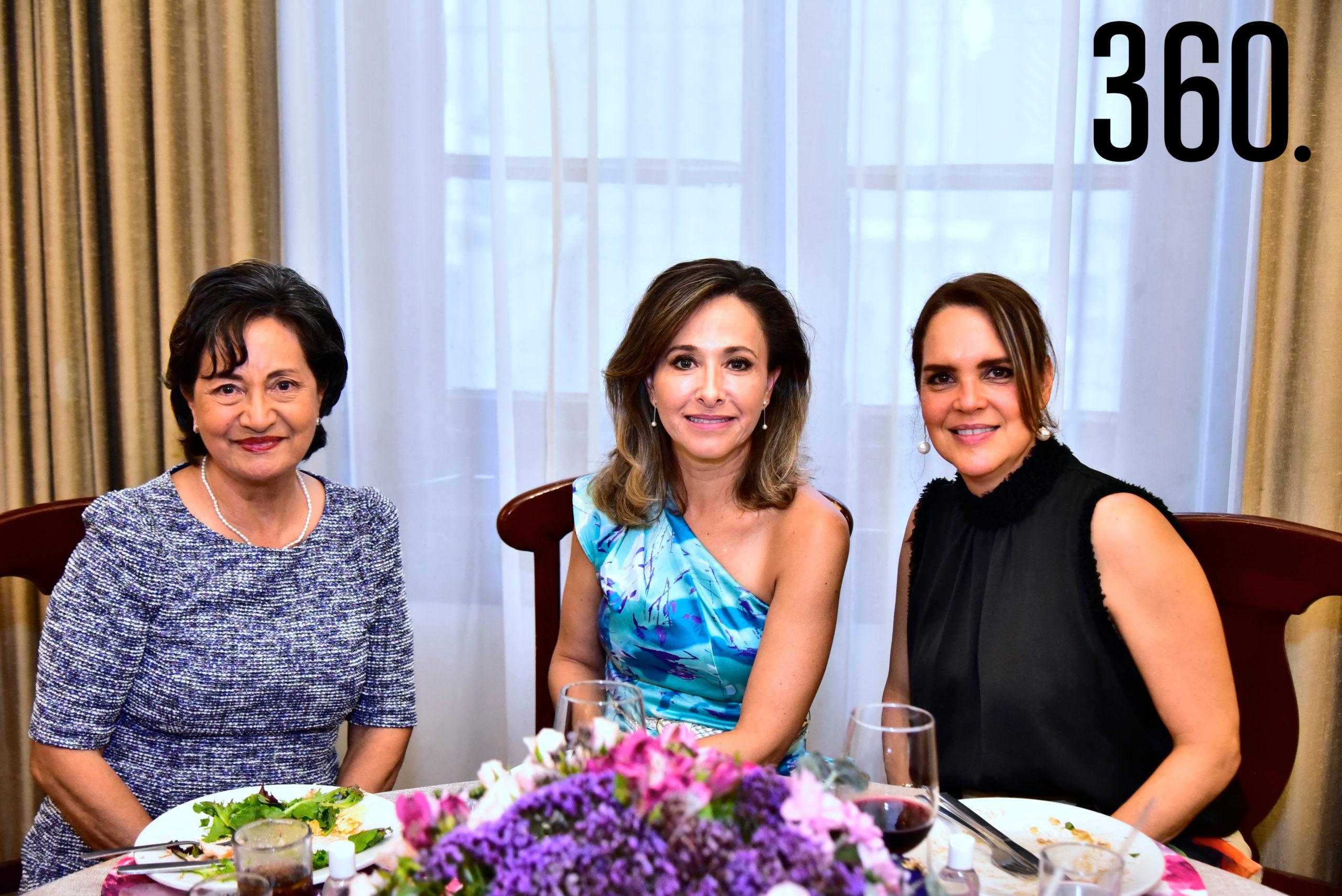 Maru Hidalgo, Anabel de Pabila y Giovanna Heath.
