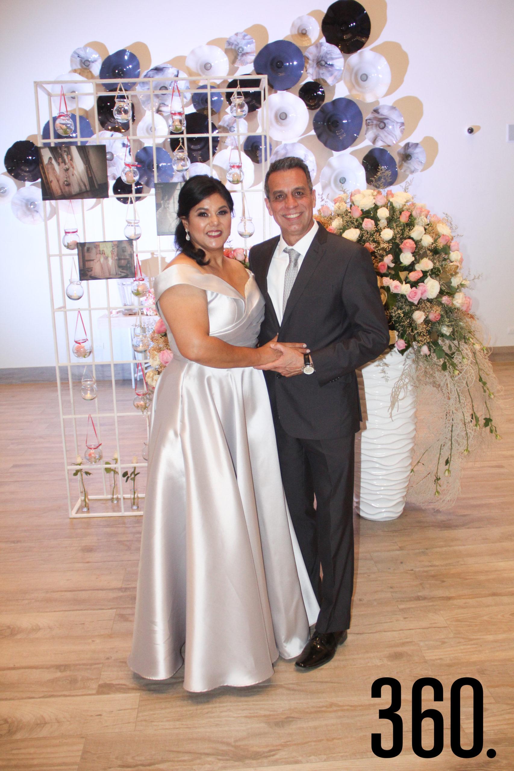 Cecy Rodríguez y Felipe Montijo, padres de Nancy.