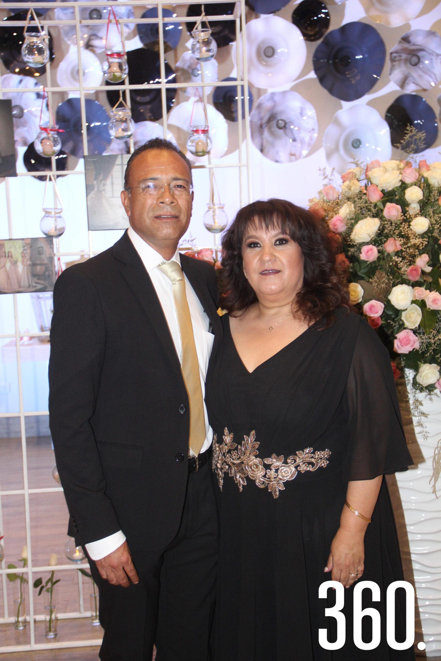 Gabriela García y Luis Enrique Chávez, padres de Zara.