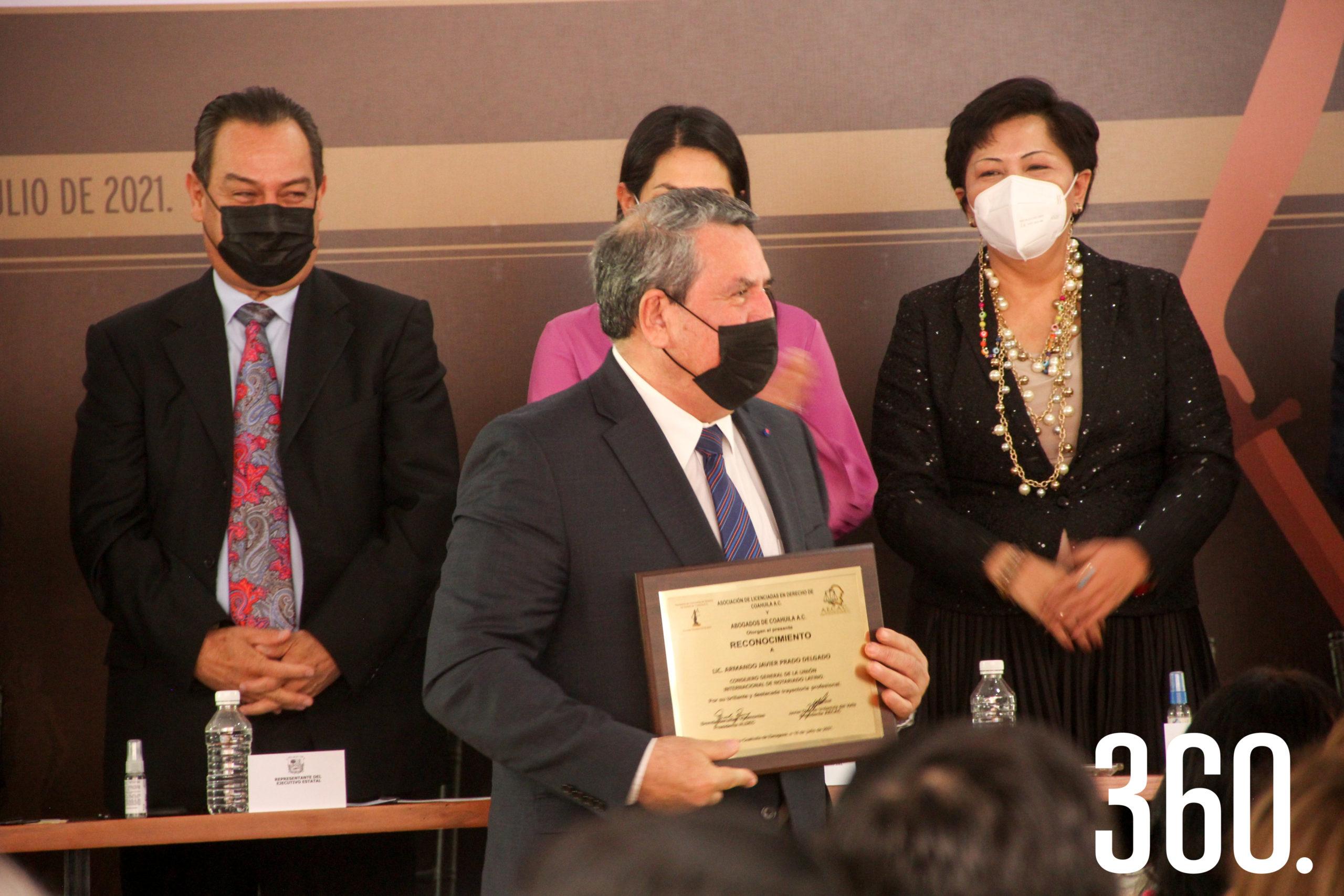 Armando Javier Prado, reconocido.