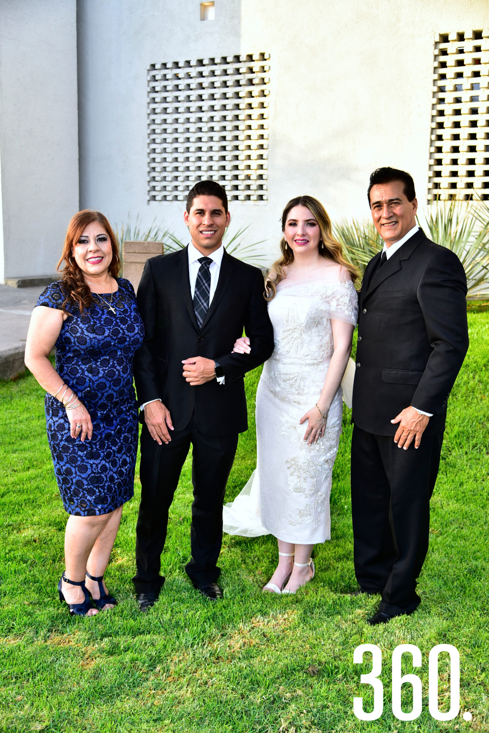 Ale Villasana y Javier Villaseñor con sus papás Javier Villaseñor y Elsa Nelly Coss.