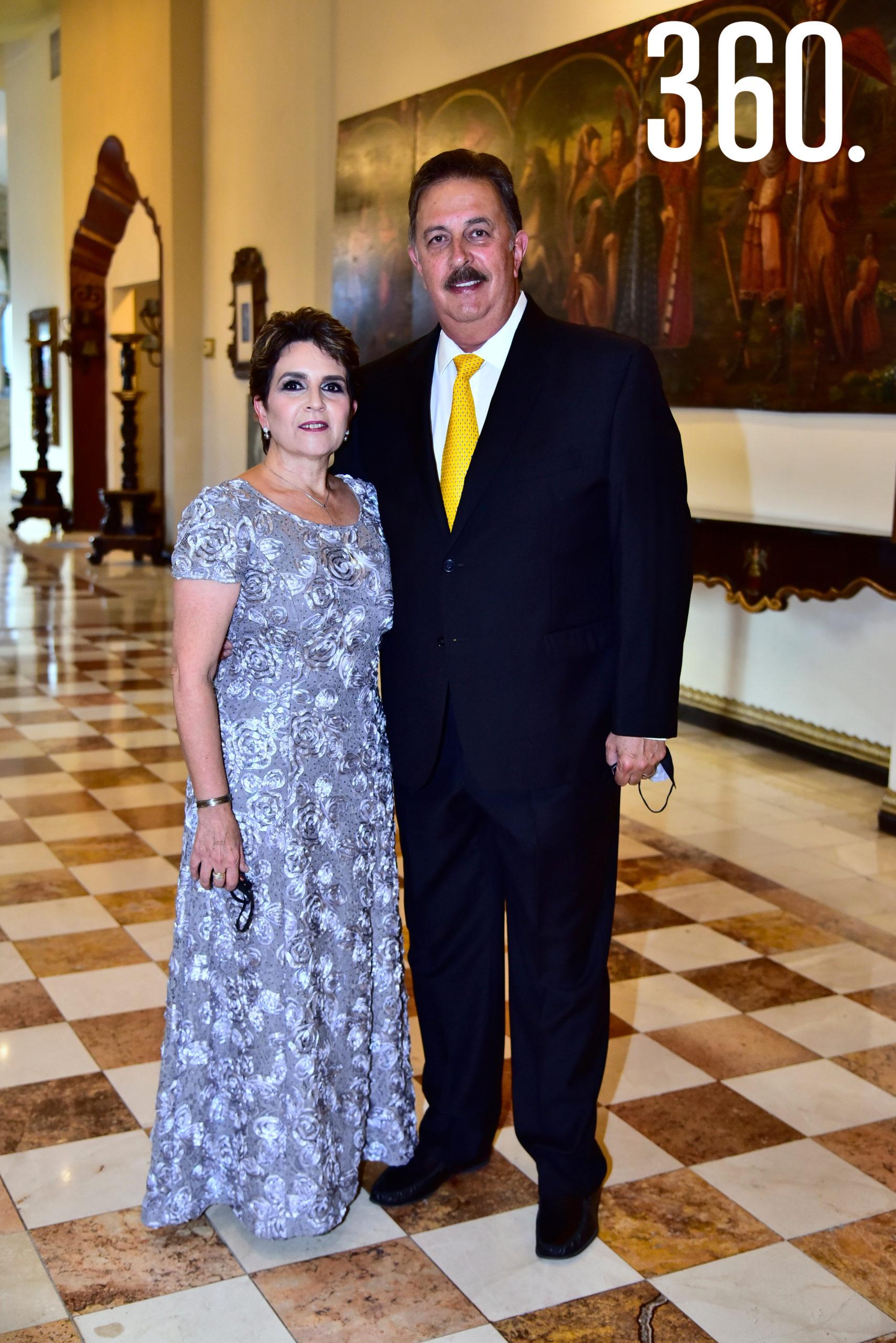 Marialba de Mendoza y Gilberto Mendoza.