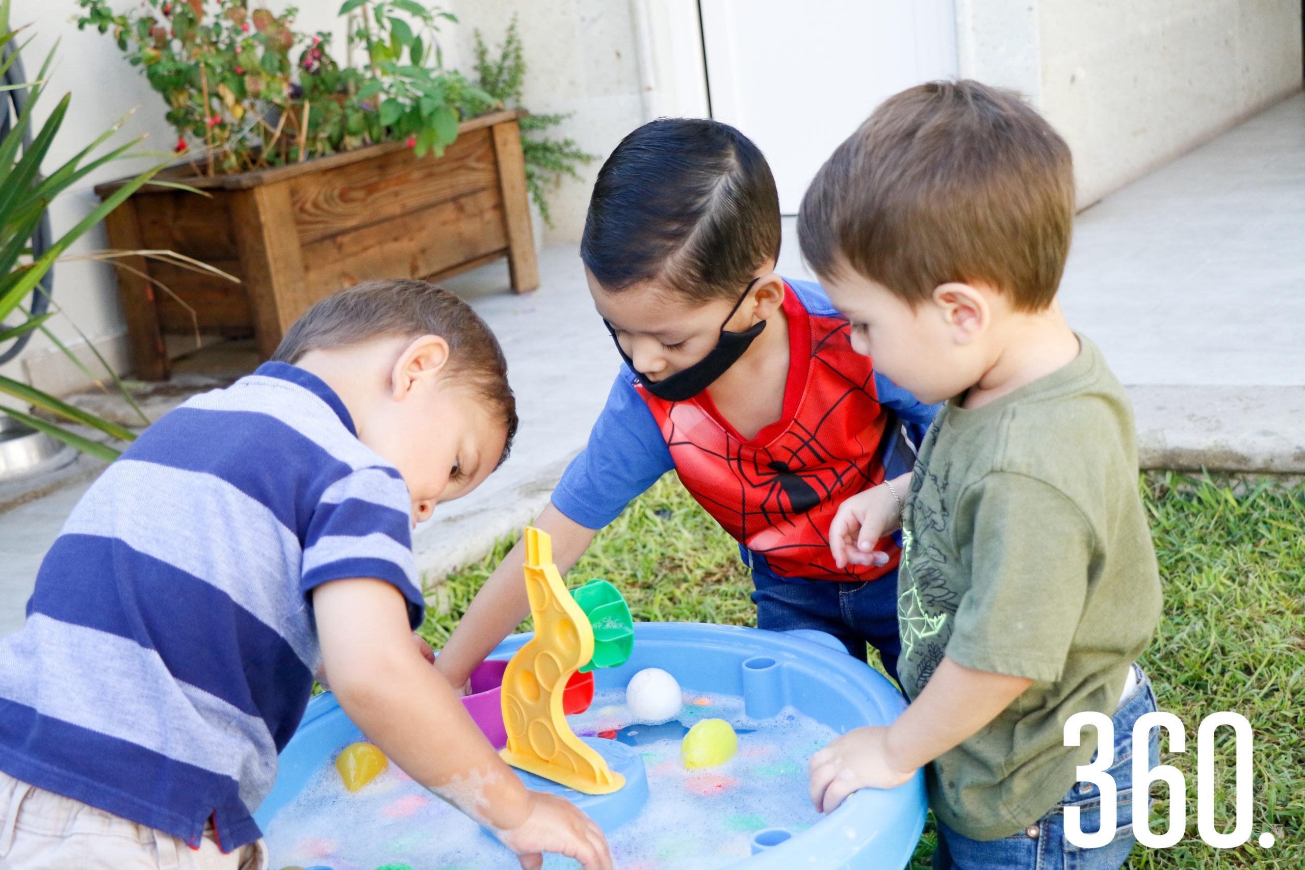 Participantes del summer camp disfrutando de sus actividades.