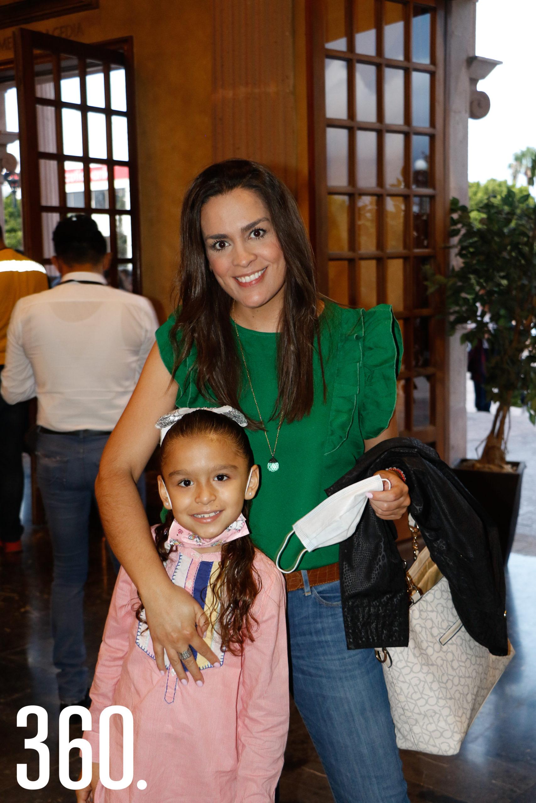 Fernanda de León y Brenda Todd.