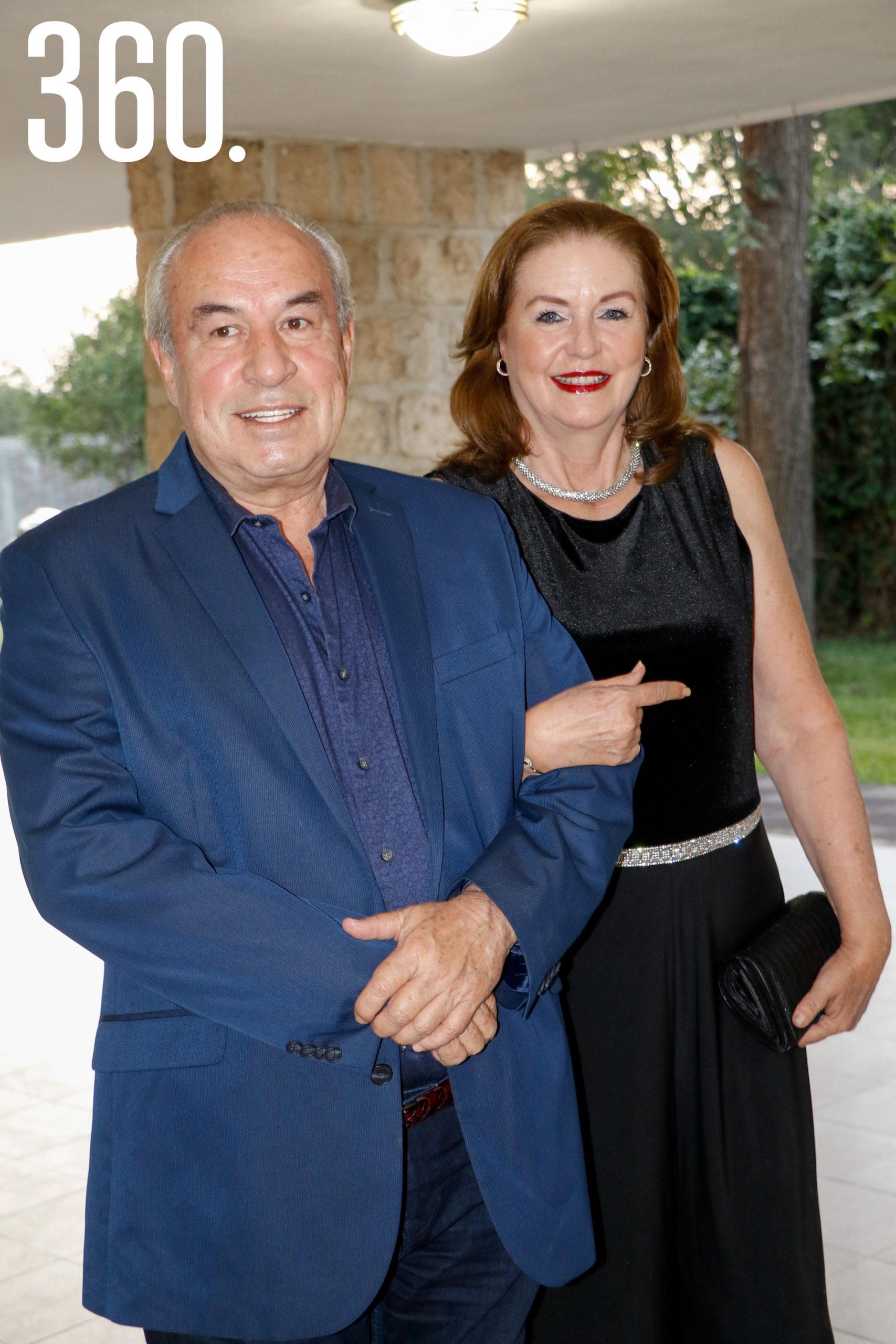 Ernesto Arroyo y Martha Peart.
