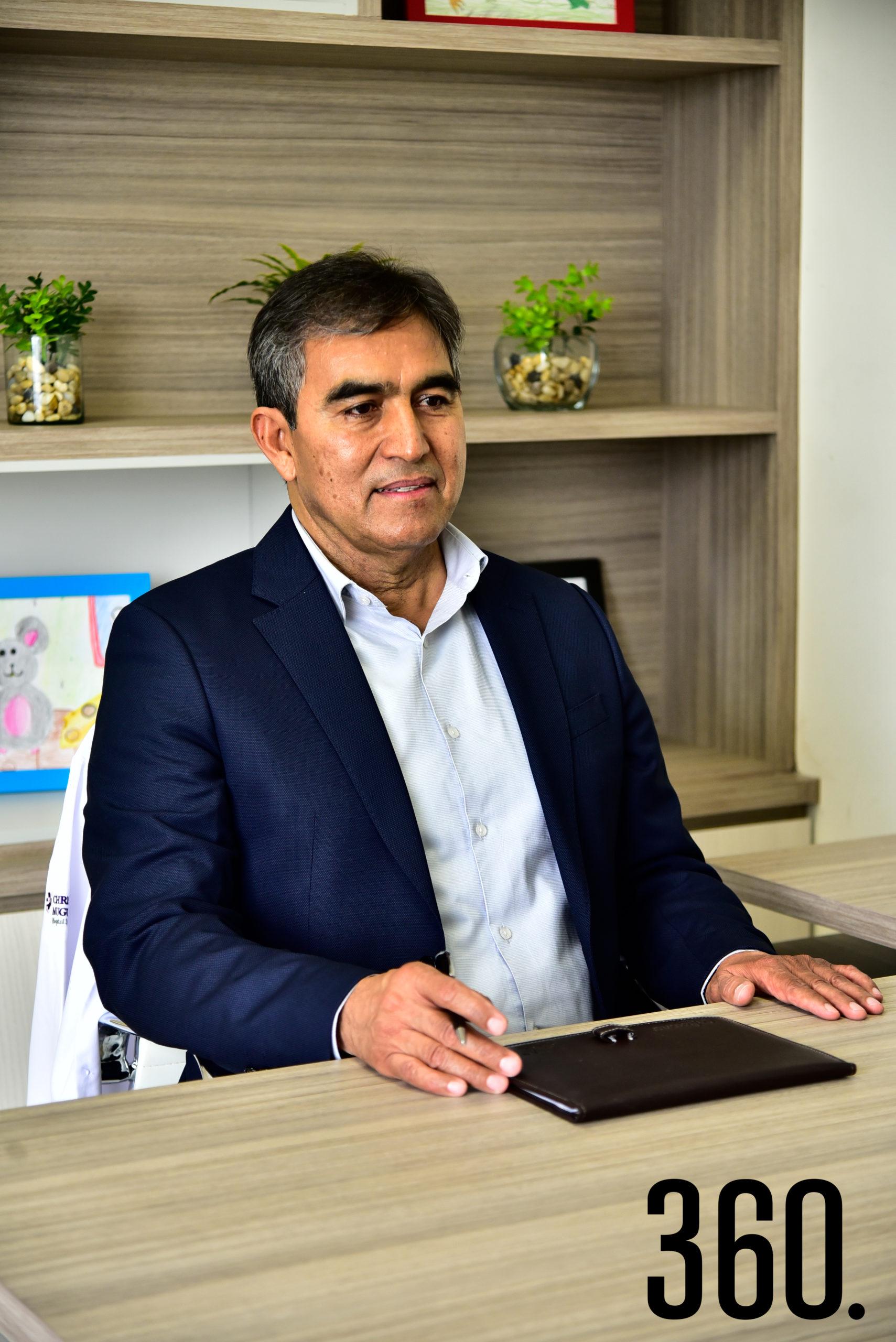 Dr. Mario Alberto Saldaña