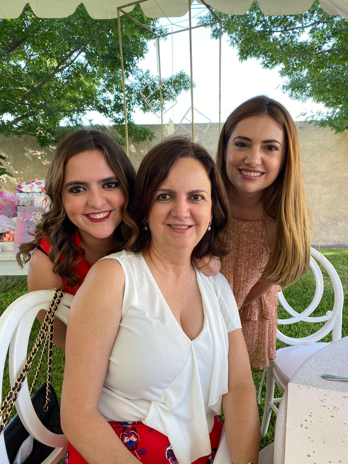 Magdis de la Torre, Magda Flores y Patricia Osuna.
