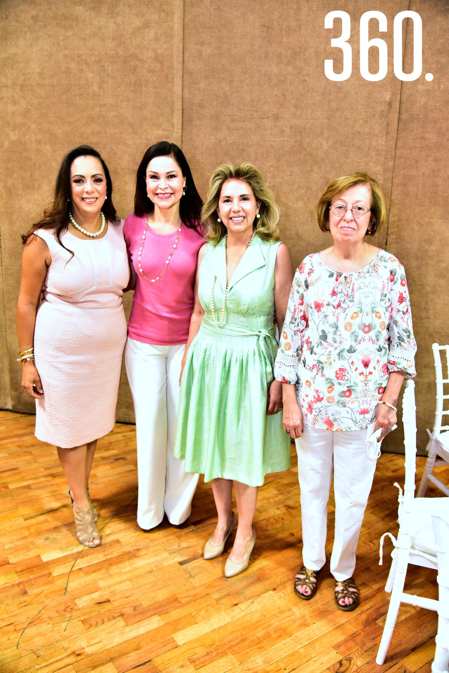 Luz Elena Berrueto, Marilú Flores de Aguirre, Lucila de Mendoza y Chachis Berrueto.